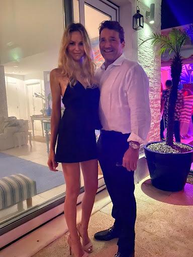 Mike Reynal y su mujer Mauara