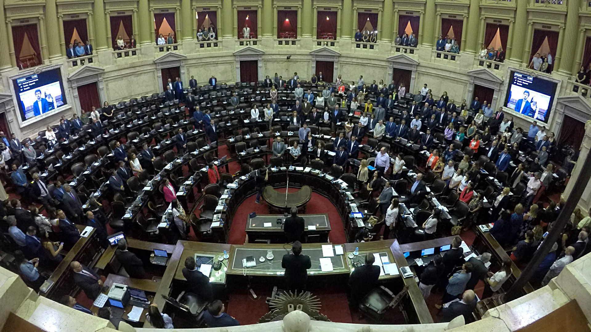 La Cámara de Diputados comienza a sesionar después de que el oficialismo logró el quórum