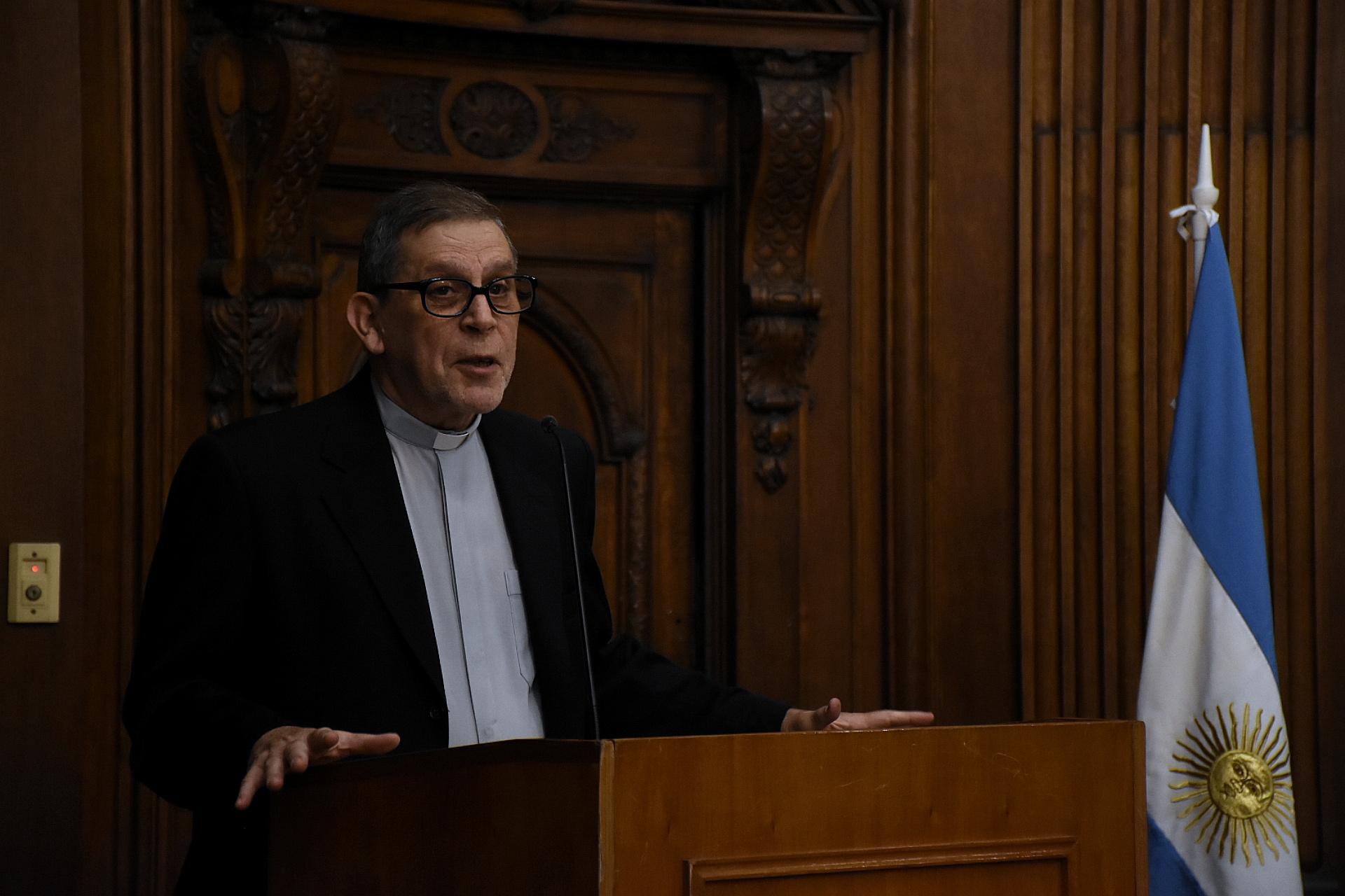 Fernando Giannetti también reconoció en su discurso la labor de investigación y compromiso de las autoras
