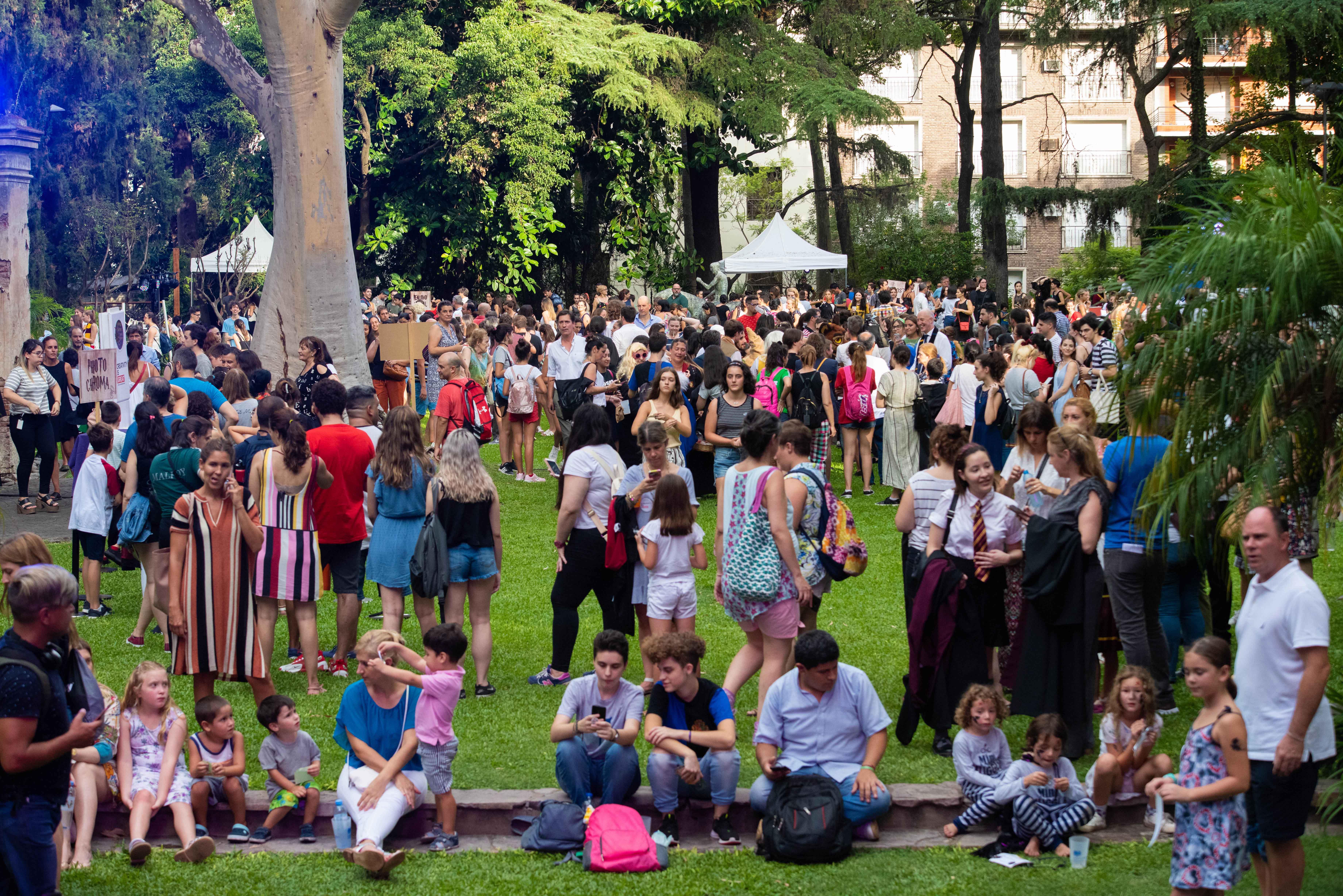Los jardines de la residencia del embajador británico se convirtieron en Hogwarts por unas horas