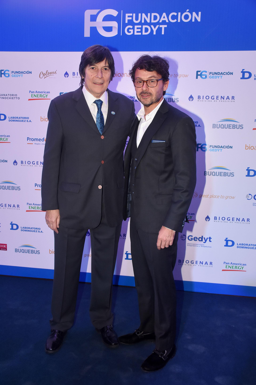 El Dr. Luis Caro y Wally Diamante