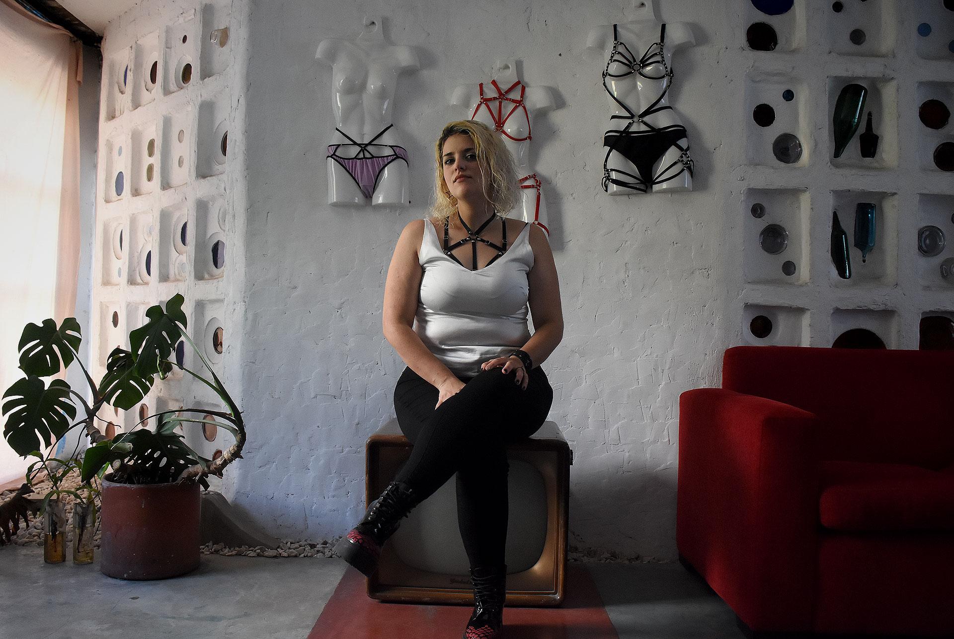 """A Que Se Debe Que La Vagina Este Abierta Porno todo sobre tu vulva"""": la mujer que saca al cl�toris del"""