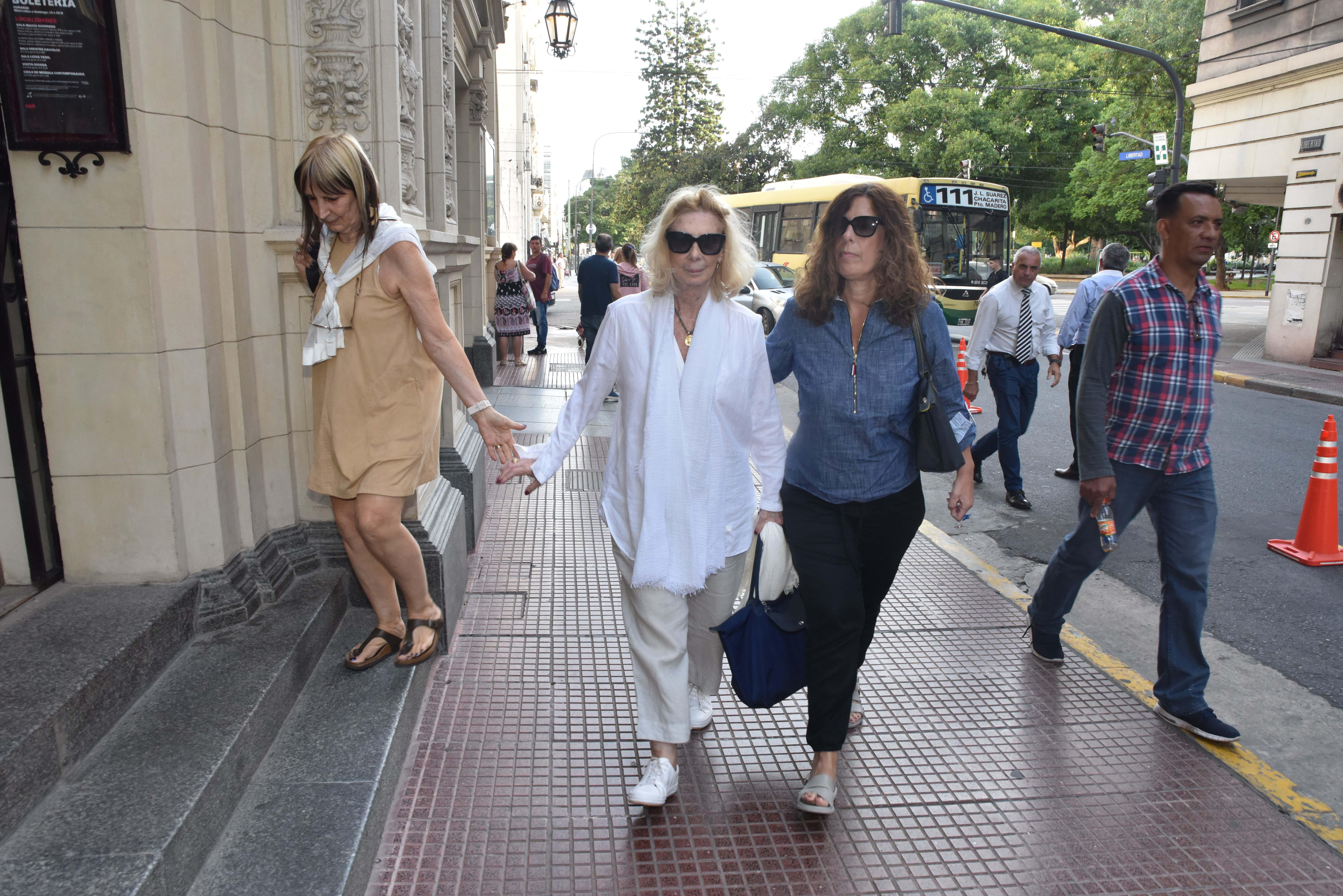 Graciela Dufau tuvo que se internada en el Sanatorio de los Arcos tras la muerte de su marido, pero fue dada de alta y asistió al velatorio