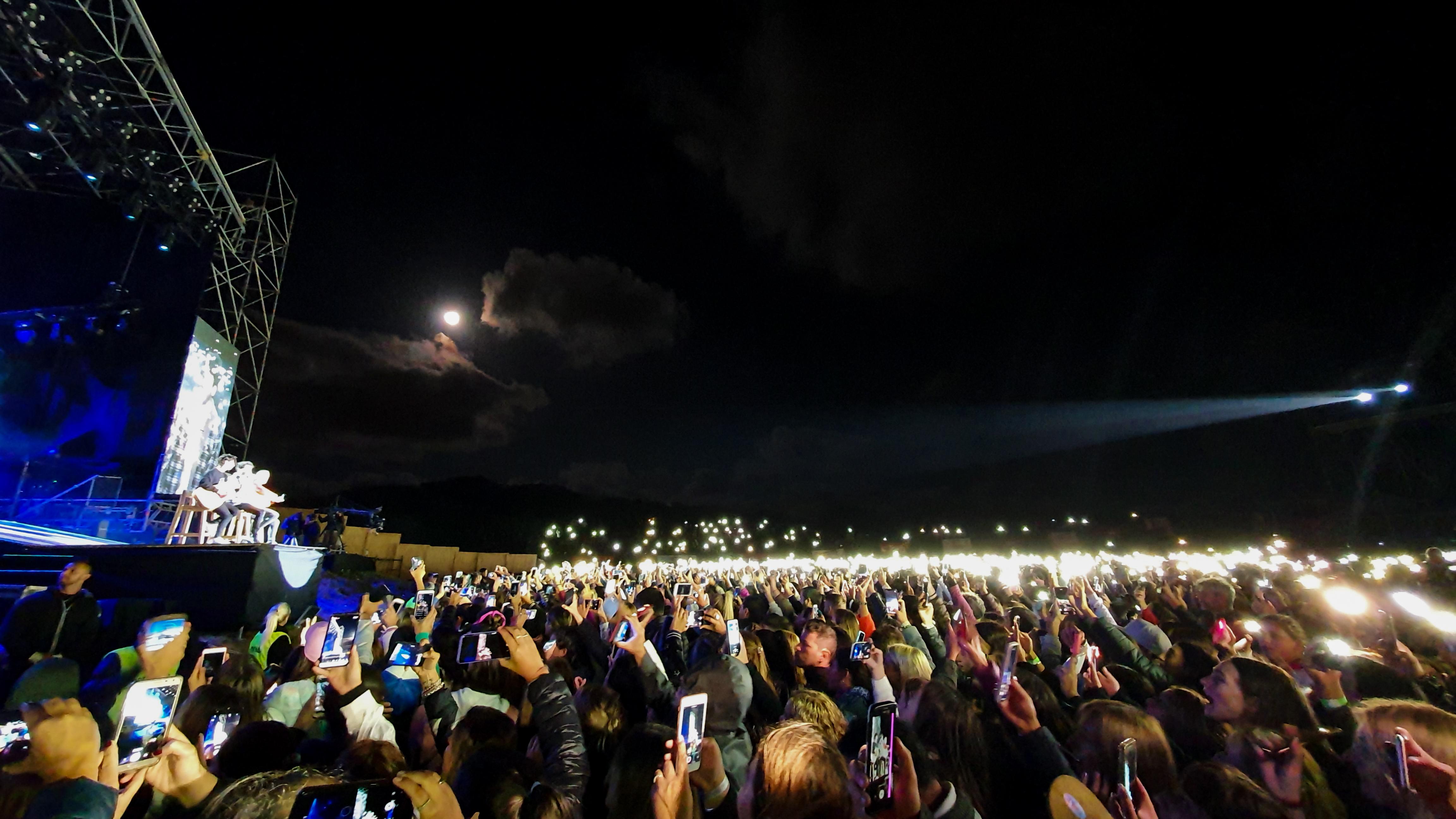 Con nominaciones a los Grammy y a otros importantes premios, récords de público en los conciertos y millones de vistas en sus videos, Sebastián Yatra se posiciona como uno de los artistas latinos más influyentes del momento
