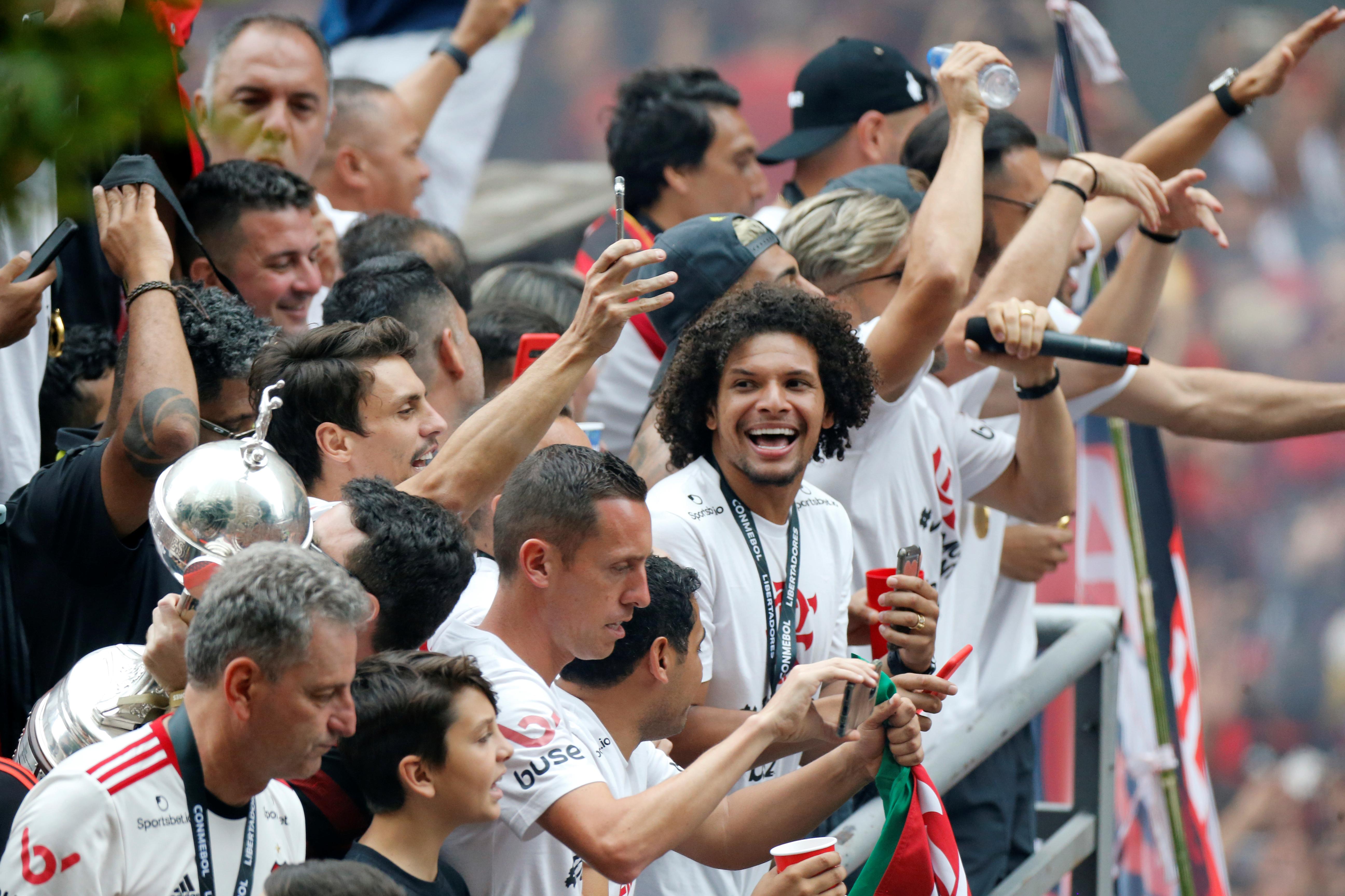 El plantel arribó a Río de Janiero y fue a festejar con el público