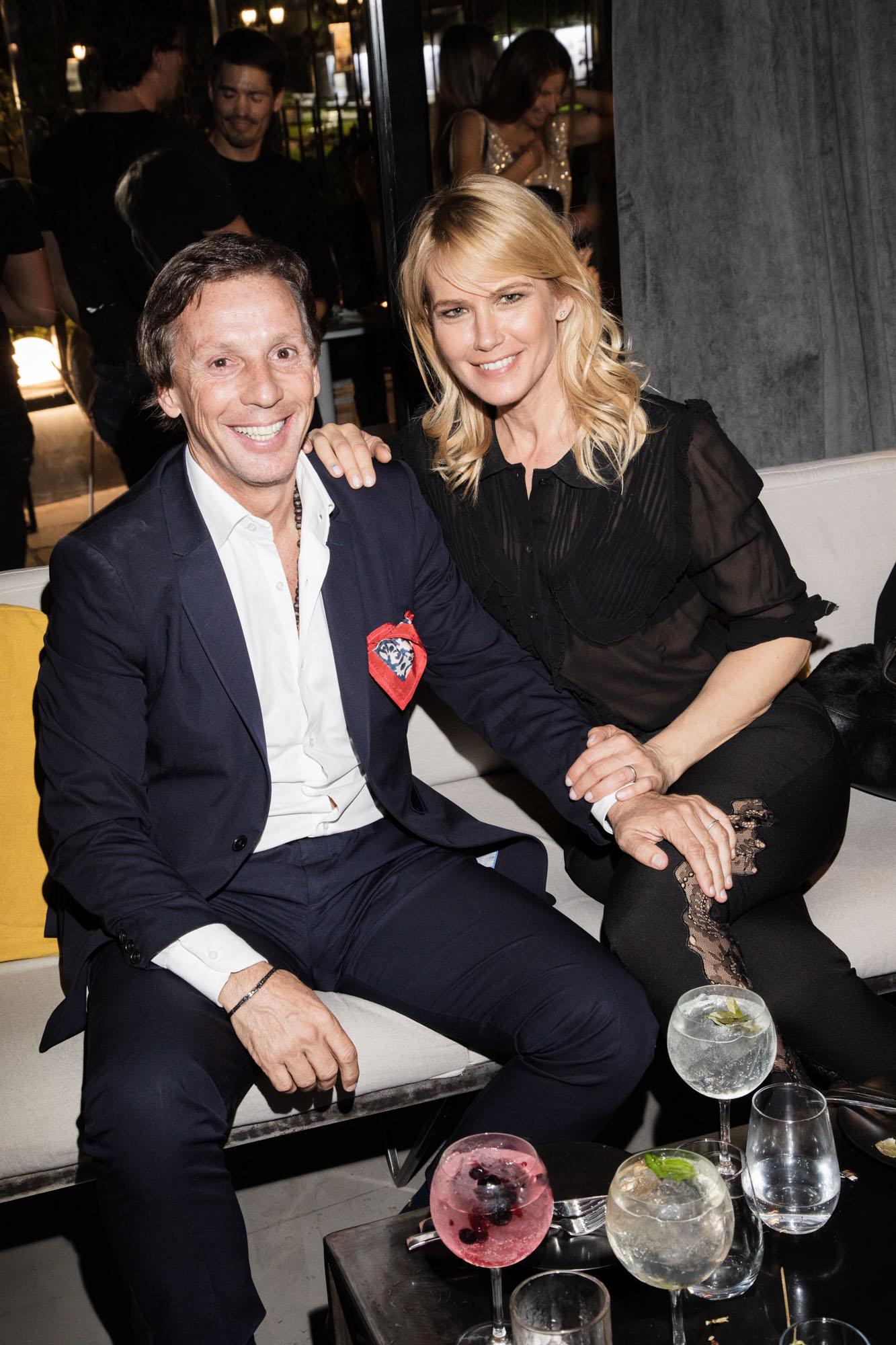 Alejandro Gravier y Valeria Mazza estuvieron entre los invitados VIP que asistieron a la inauguración, en Recoleta