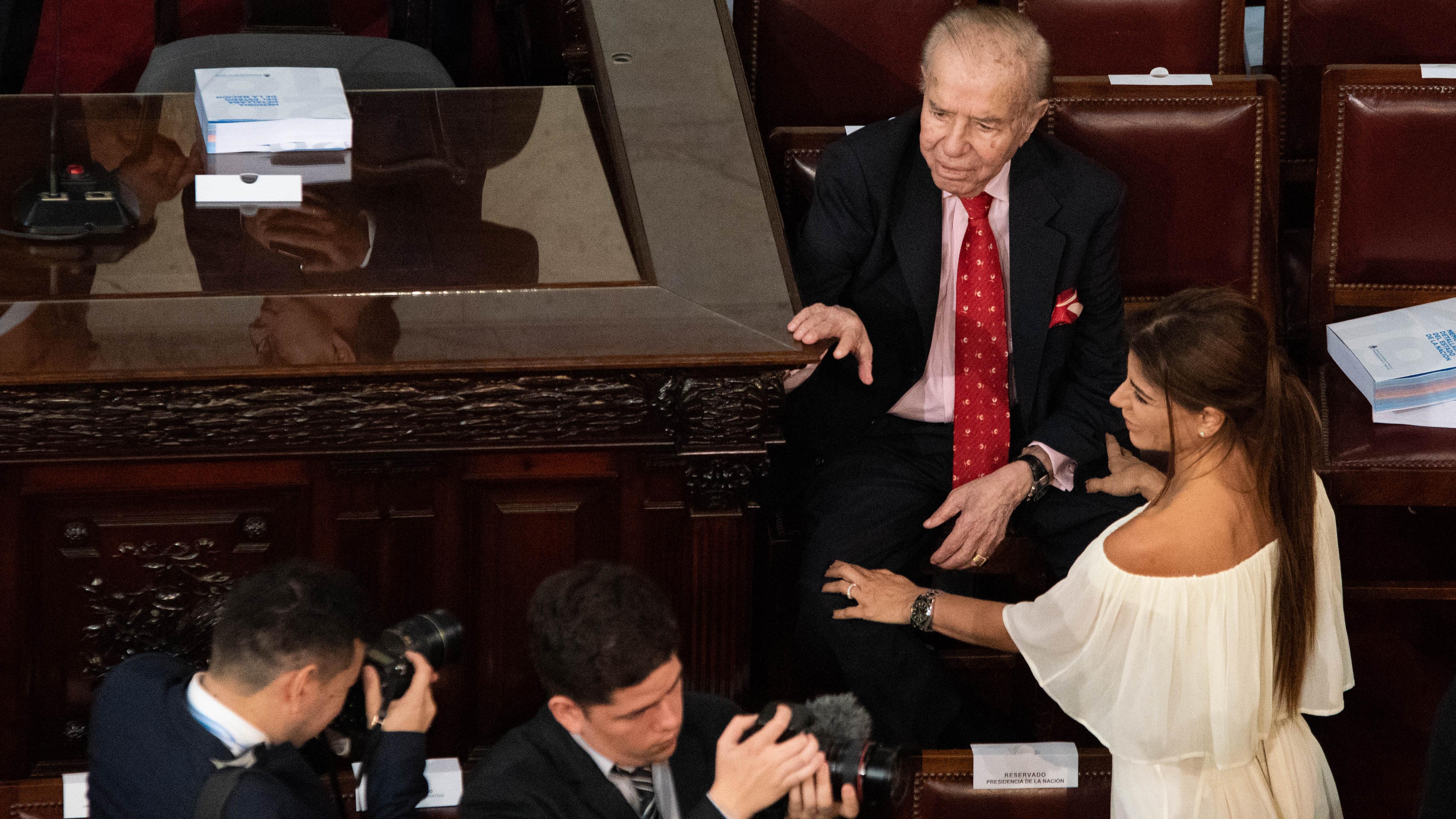 El ex presidente Carlos Menem junto a su hija Zulemita