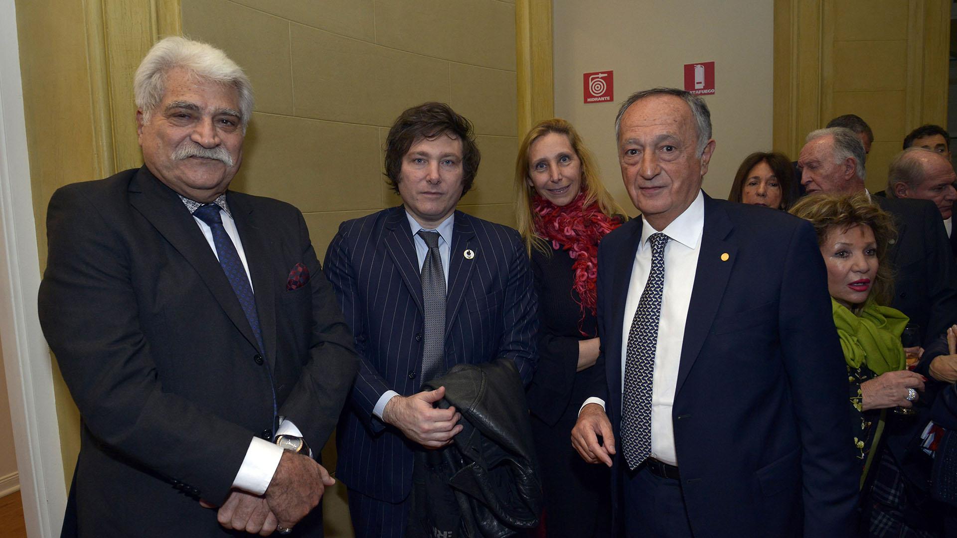 Jorge Asis, el economista Javier Milei y el presindente de la UIA, Miguel Acevedo
