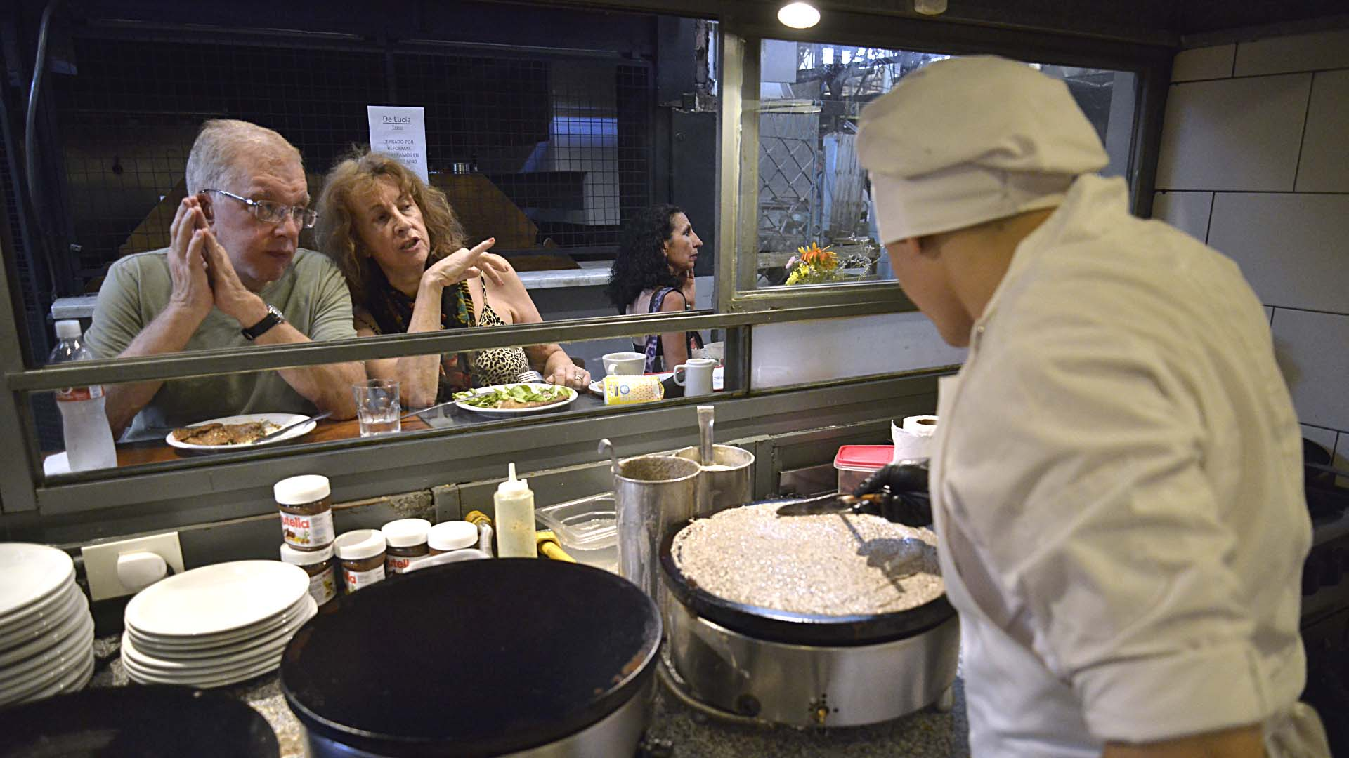 La propuesta despertó el interés de una gran cantidad de turistas, que se acercaron a degustar los deliciosos crêpes del Mercado de San Telmo