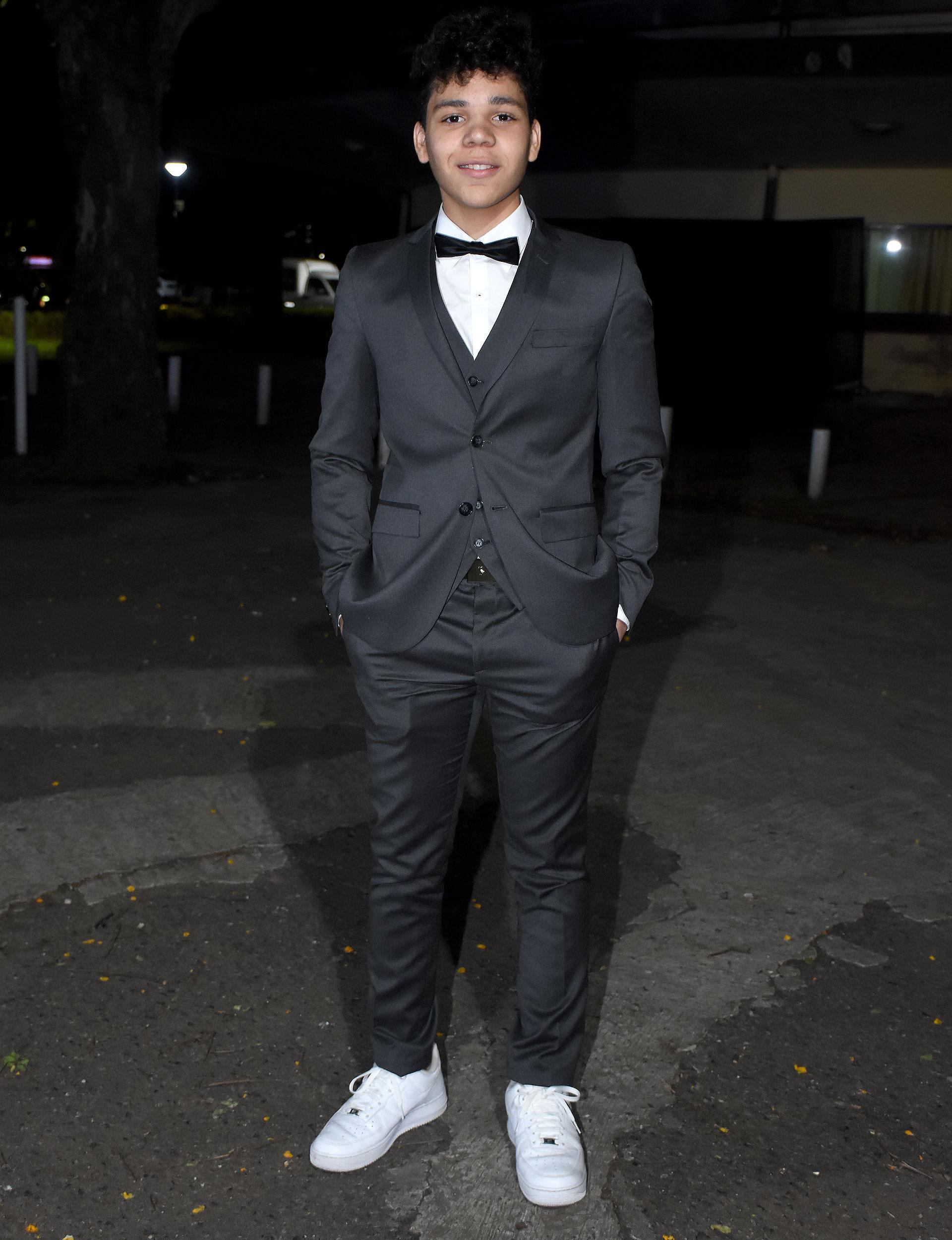 Balthazar Murillo, el joven actor que interpreta al Apache durante su infancia en la serie sobre la vida del futbolista