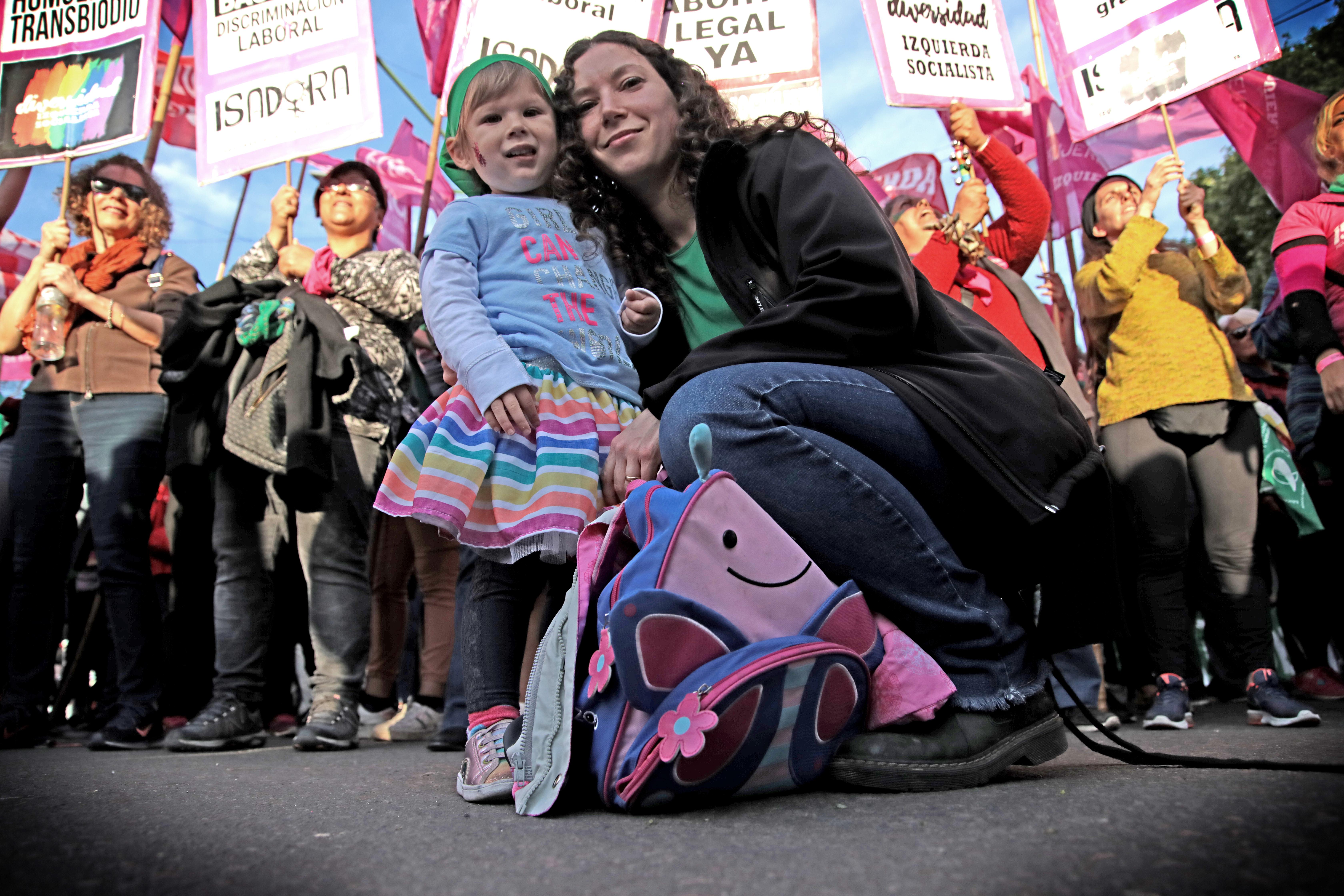 La Plata se vio copada por los feminismos, en dos jornadas a pura emoción y un cierre con una marcha multitudinaria