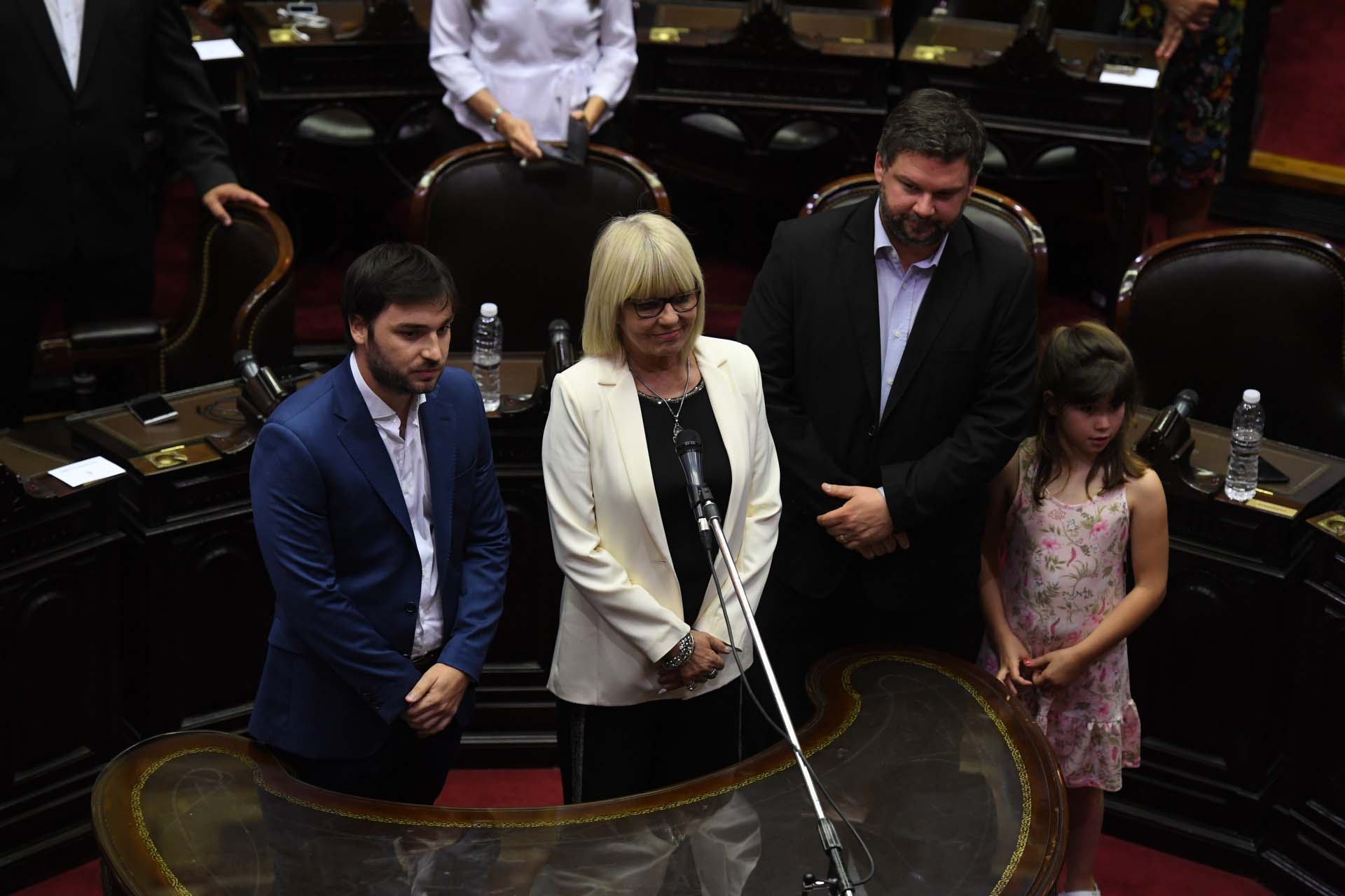 Estela Hernández, Santiago Igón