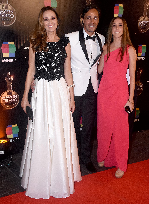 Gustavo López junto a su mujer, Laura, y su hija, Lourdes