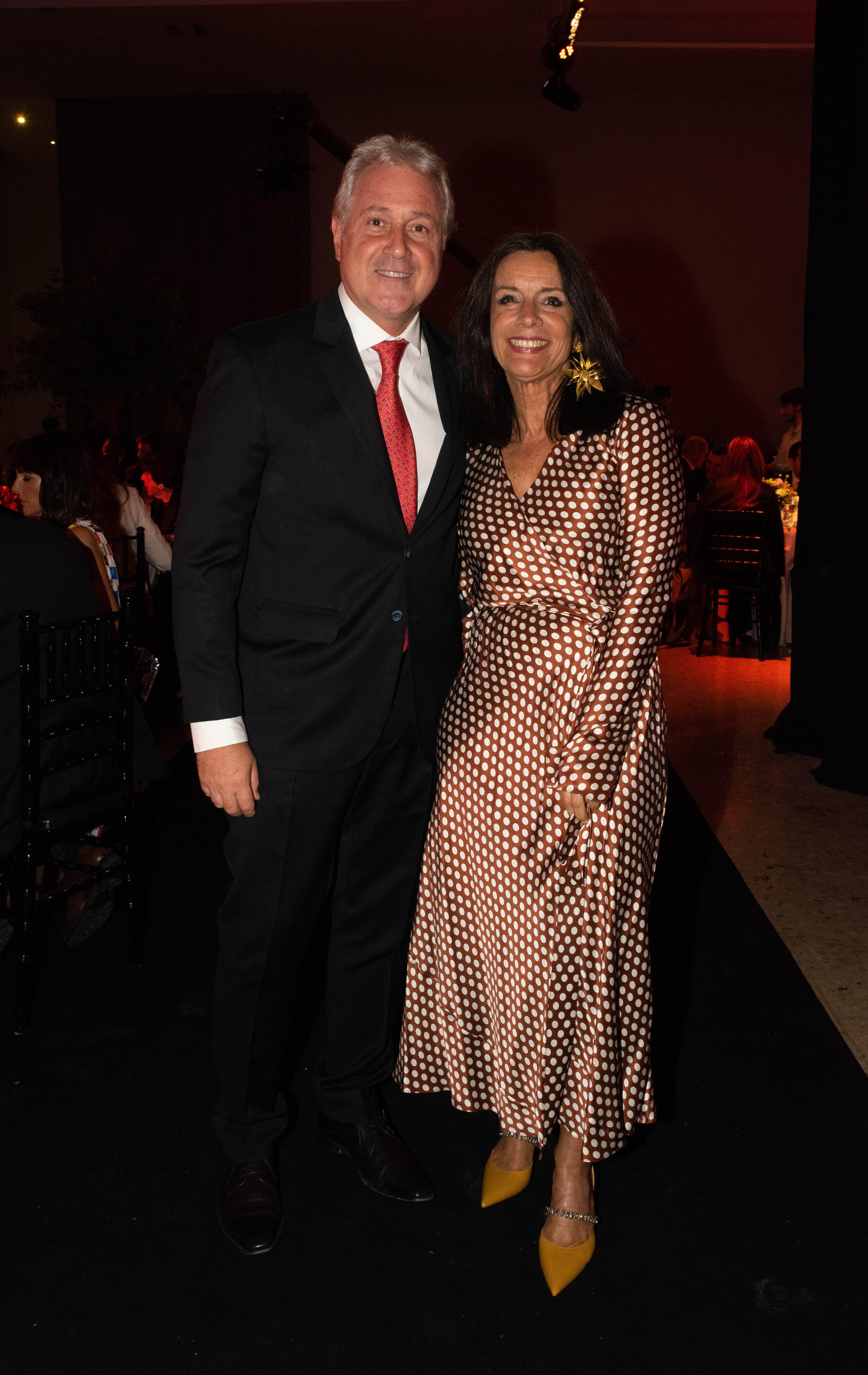 Matías Patanian, vicepresidente de Aeropuertos Argentina 2000, y Carolina Barros, directora de Comunicaciones de Corporación América