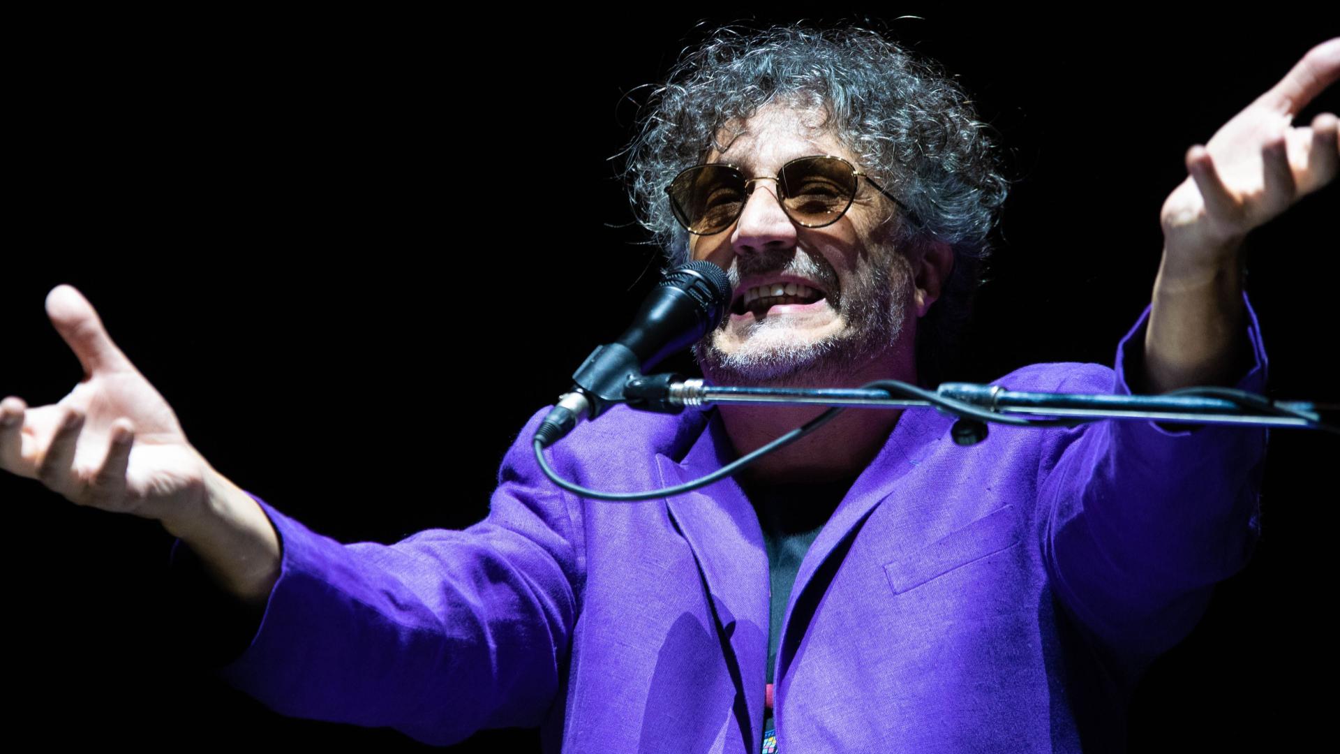 Fito Páez fue el artista con mayor trayectoria que se presentó en la edición 2020 del Buena Vibra. Con un repertorio 100% hitero, que abarcó casi todas sus épocas, cautivó al público joven del festival (Franco Fafasuli)