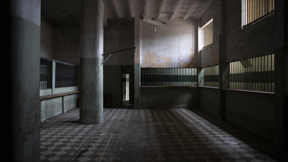 Entre los lugares que mejor se mantuvieron estos años, puede que por su particular estructura, está todavía en pie la sala de visitas.
