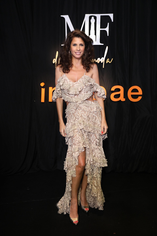 Hermosa, Analía Maiorana vestida por Javier Saiach