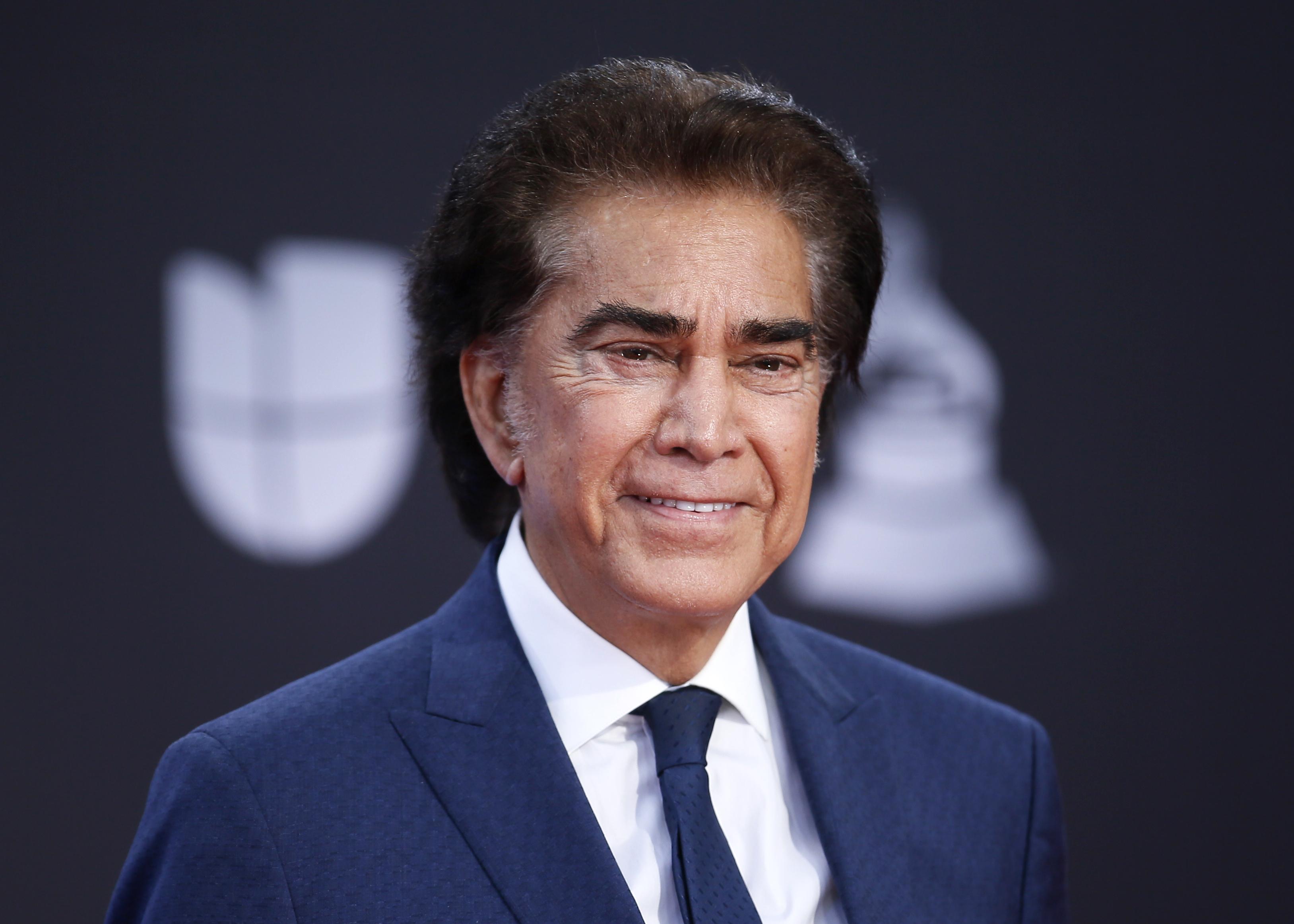 Jose Luis Rodriíguez, el intérprete venezolano fue reconocido con el galardón a la Excelencia Musical