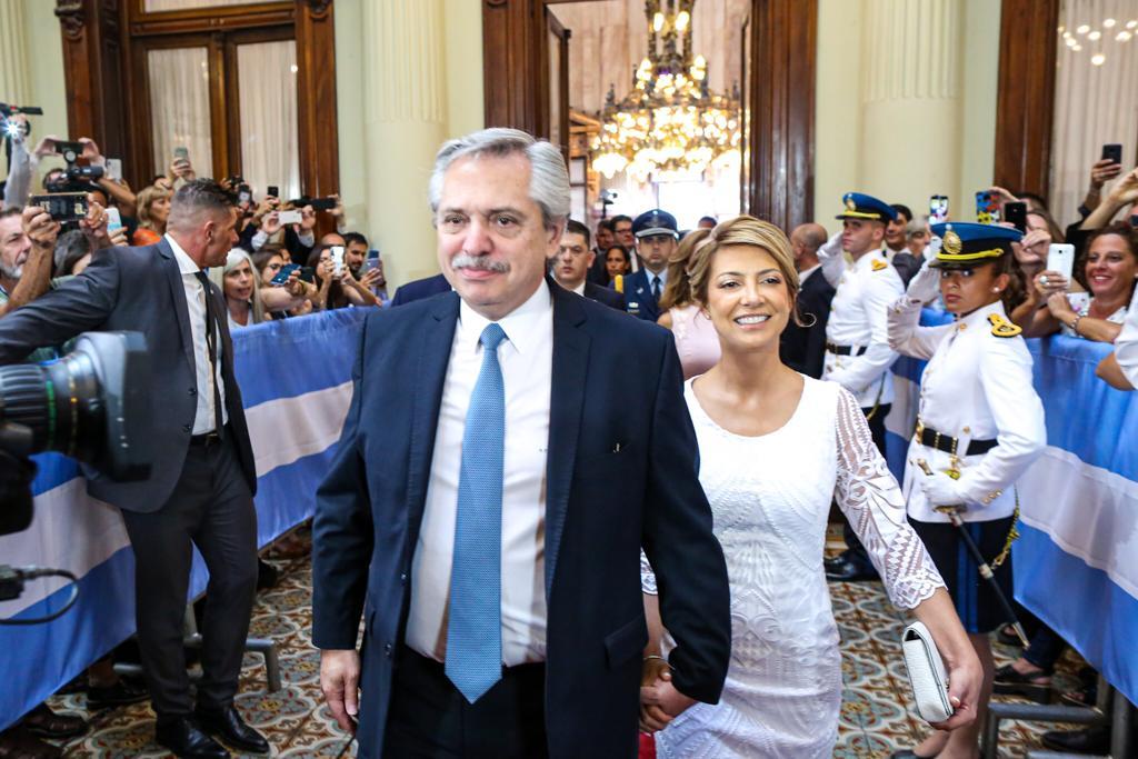 Alberto Fernández junto a su pareja, Fabiola Yáñez