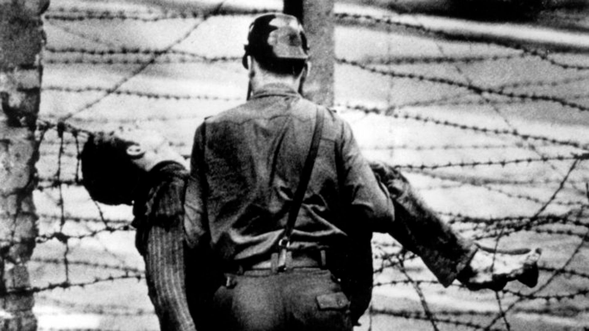 """La trágica historia detrás de """"Libre"""", la canción de Nino Bravo: un joven soñador y una muerte absurda en el Muro de Berlín - Infobae"""