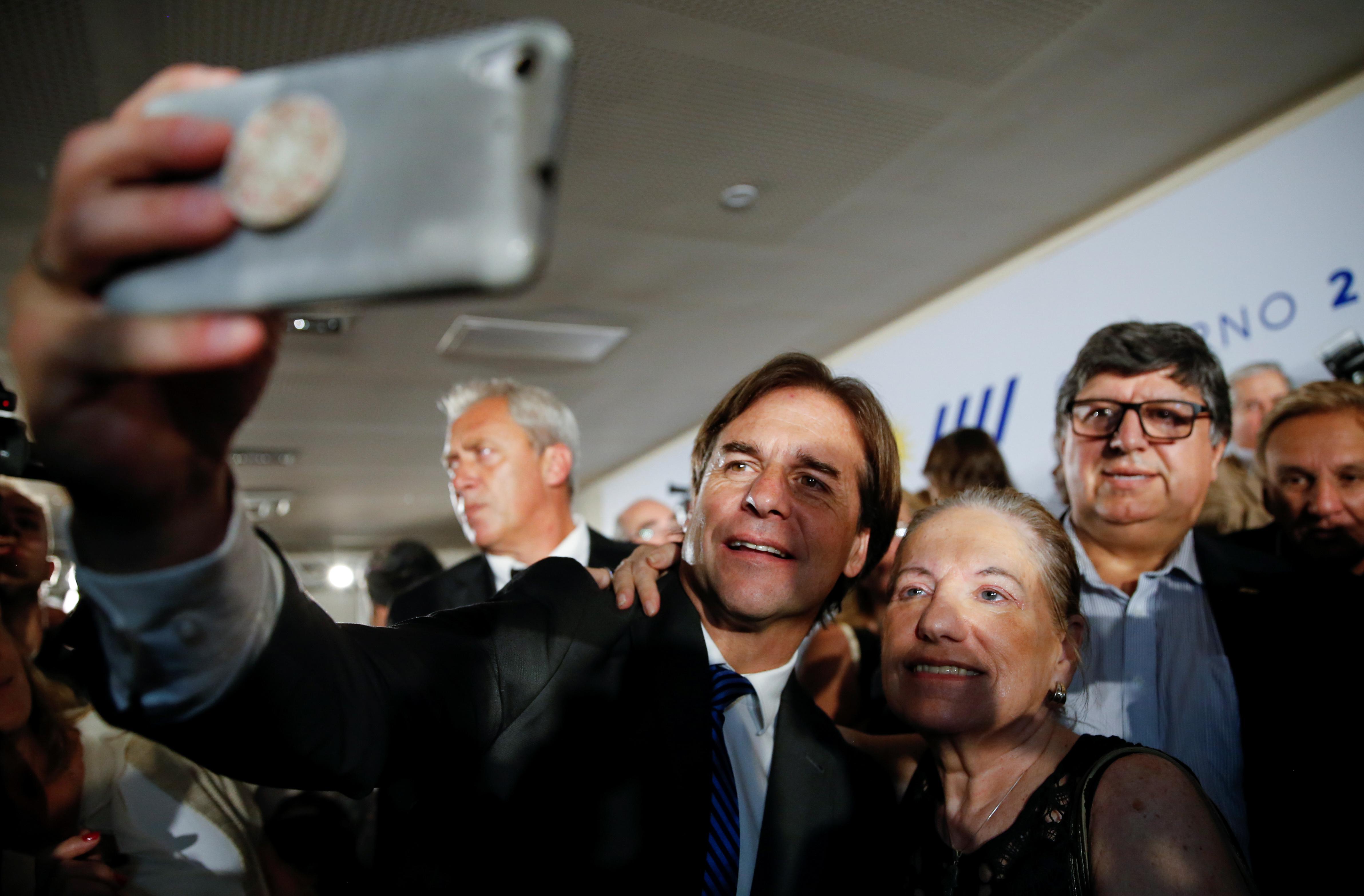 El presidente electo Lacalle Pou quiere que 100.000 argentinos se ...