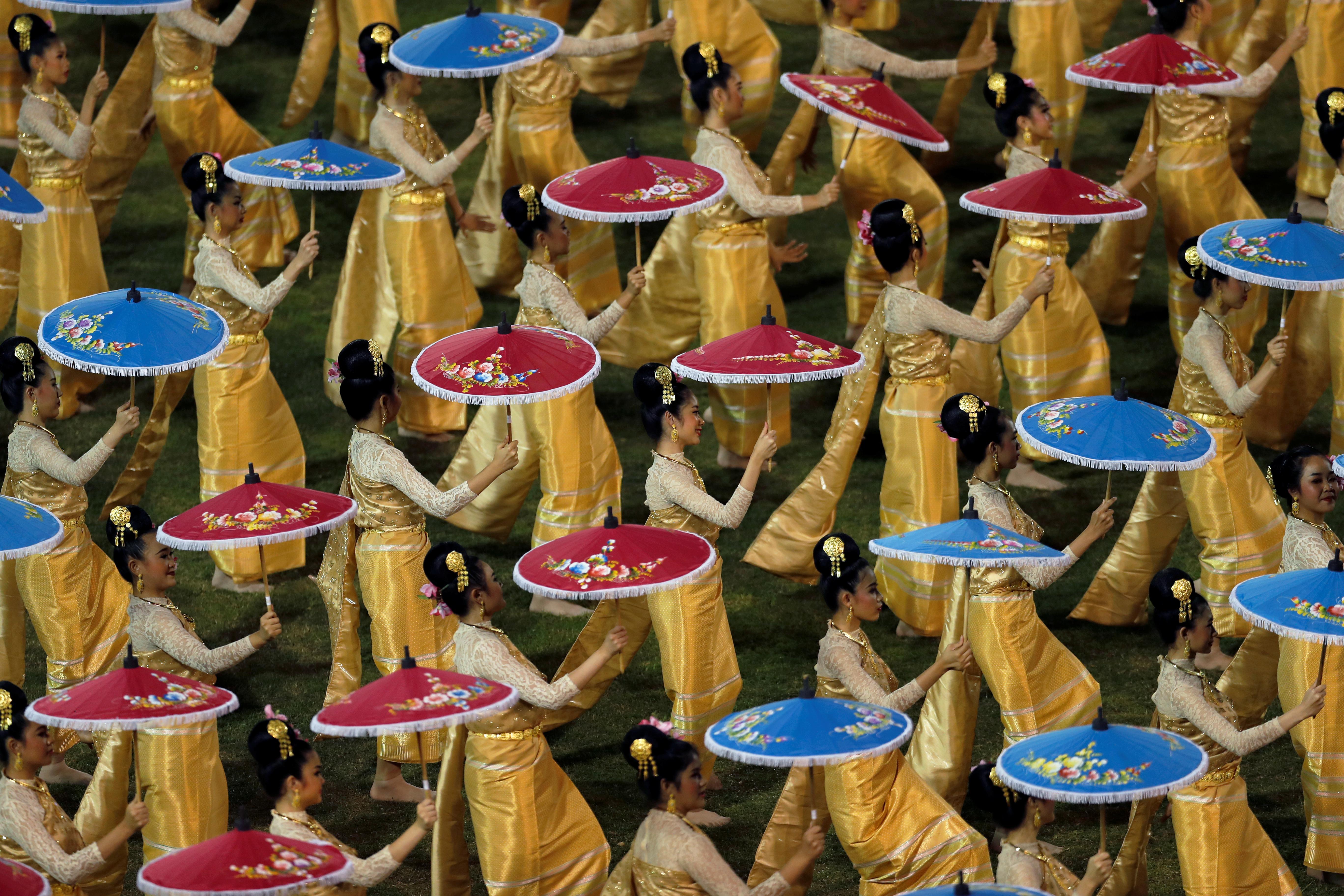 Hubo una gran ceremonia para recibir al papa en el Estadio Nacional de Tailandia, en Bangkok. (REUTERS)