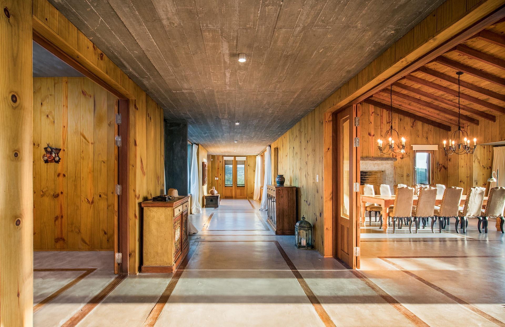 Todos los ambientes de la casa invitan a la relajación y la serenidad