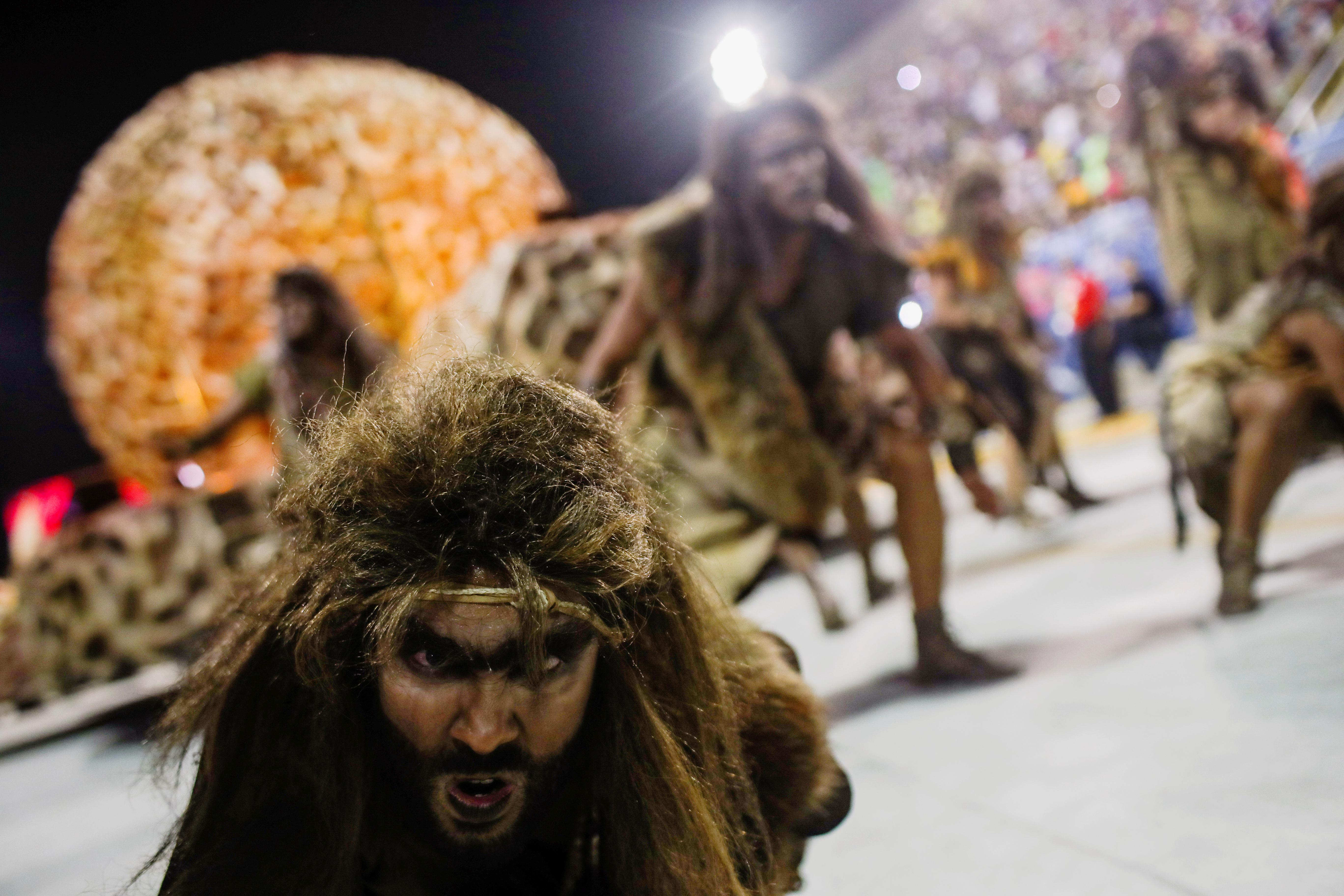 Bailarines de la escuela de samba Estacio de Sa (REUTERS/Ricardo Moraes)