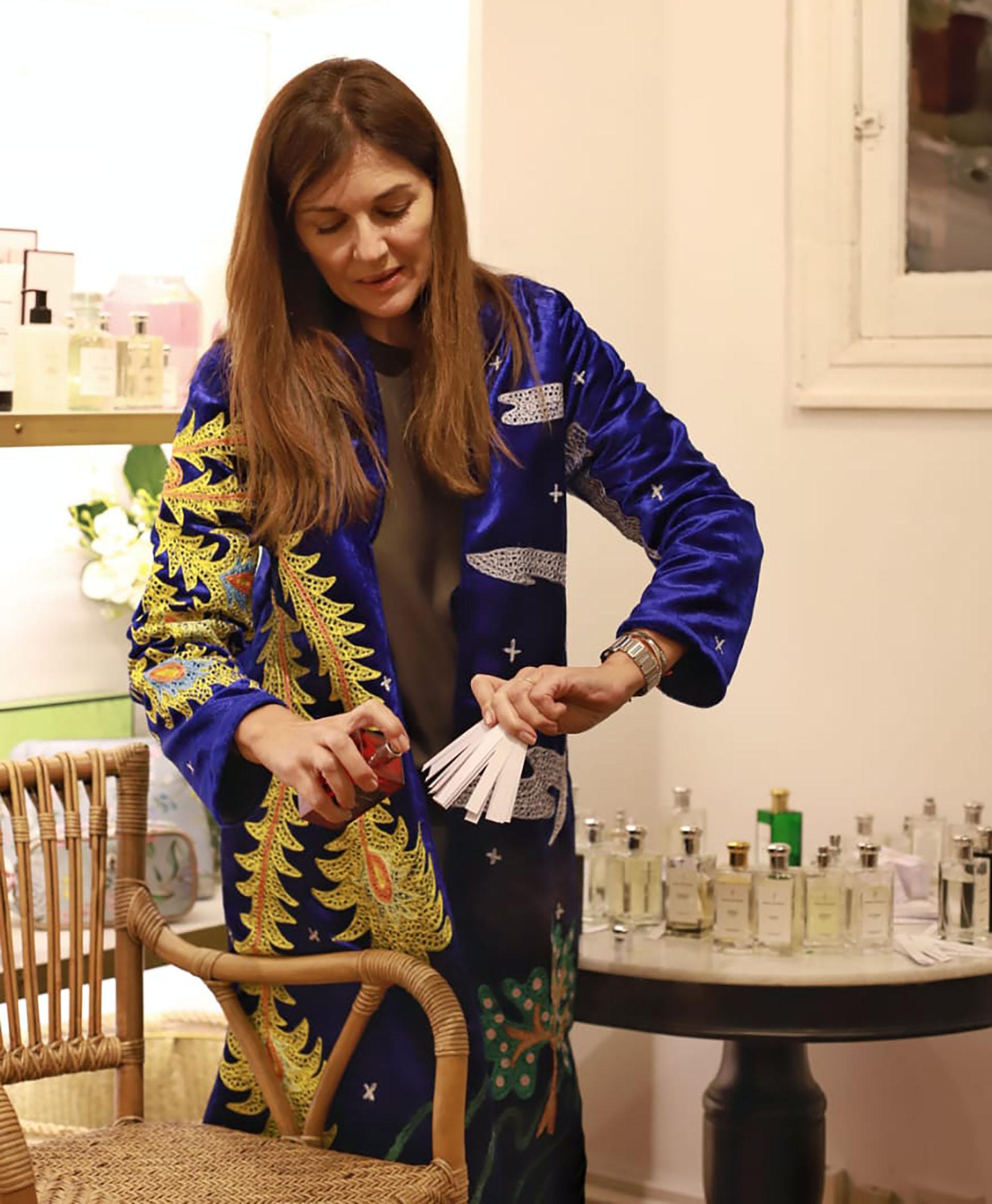 Andrea Frigerio ofreció un workshop para potenciar el olfato en el local de deco Sentido Buenos Aires, la tienda que nació en las playas uruguayas de José Ignacio y se inauguró hace dos años en Argentina