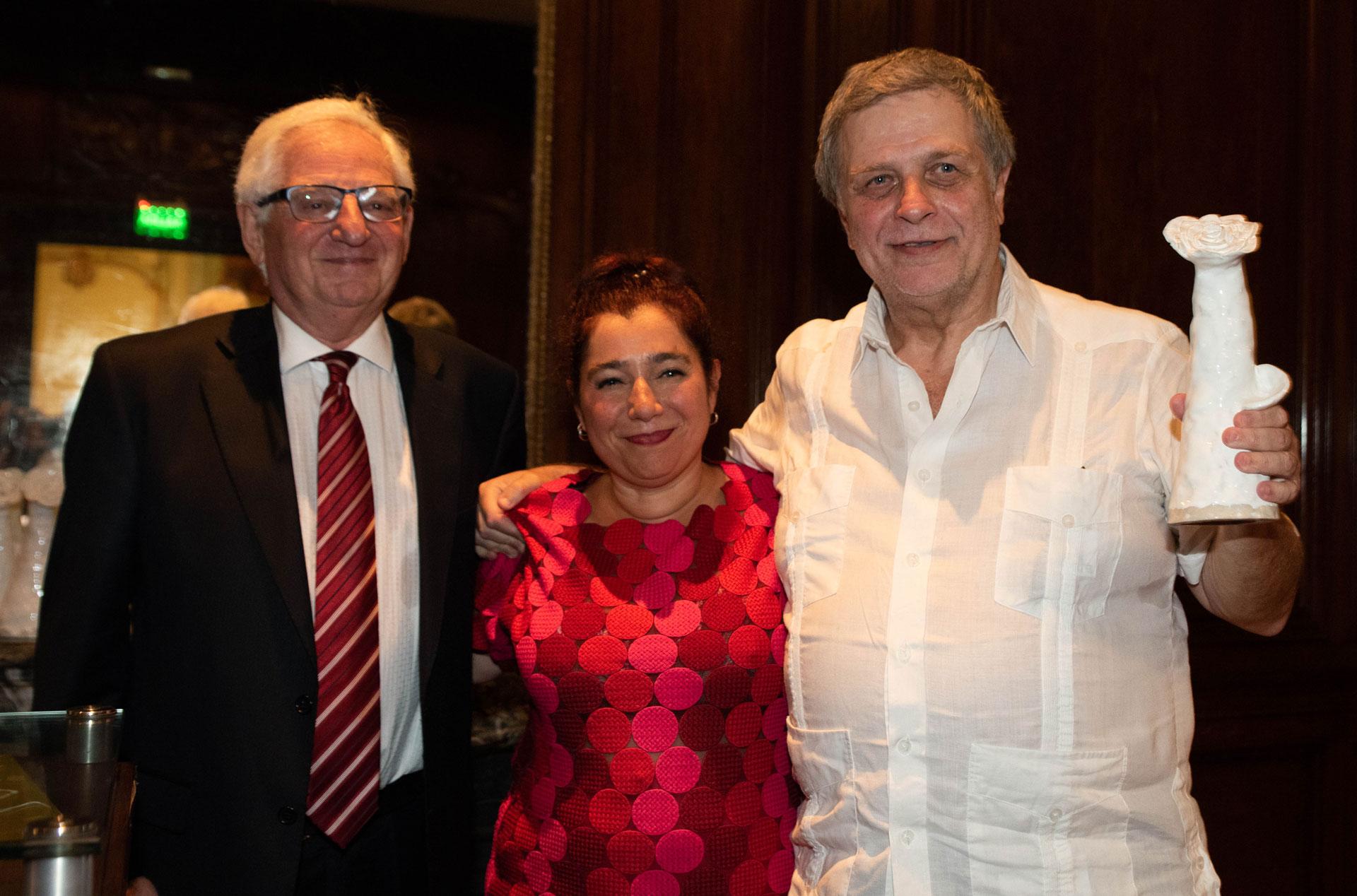 Con más de 100 películas realizadas en los últimos 30 años, ALEPH hizo un importante recorrido en festivales internacionales impulsando y protegiendo férreamente el mercado argentino. Su fundador, Fernando Sokolowicz, recibió esta distinción