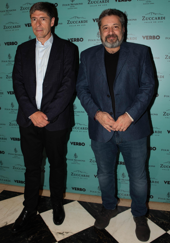 Juan Manuel Abal Medina y Víctor Santa María, quien recibió un premio