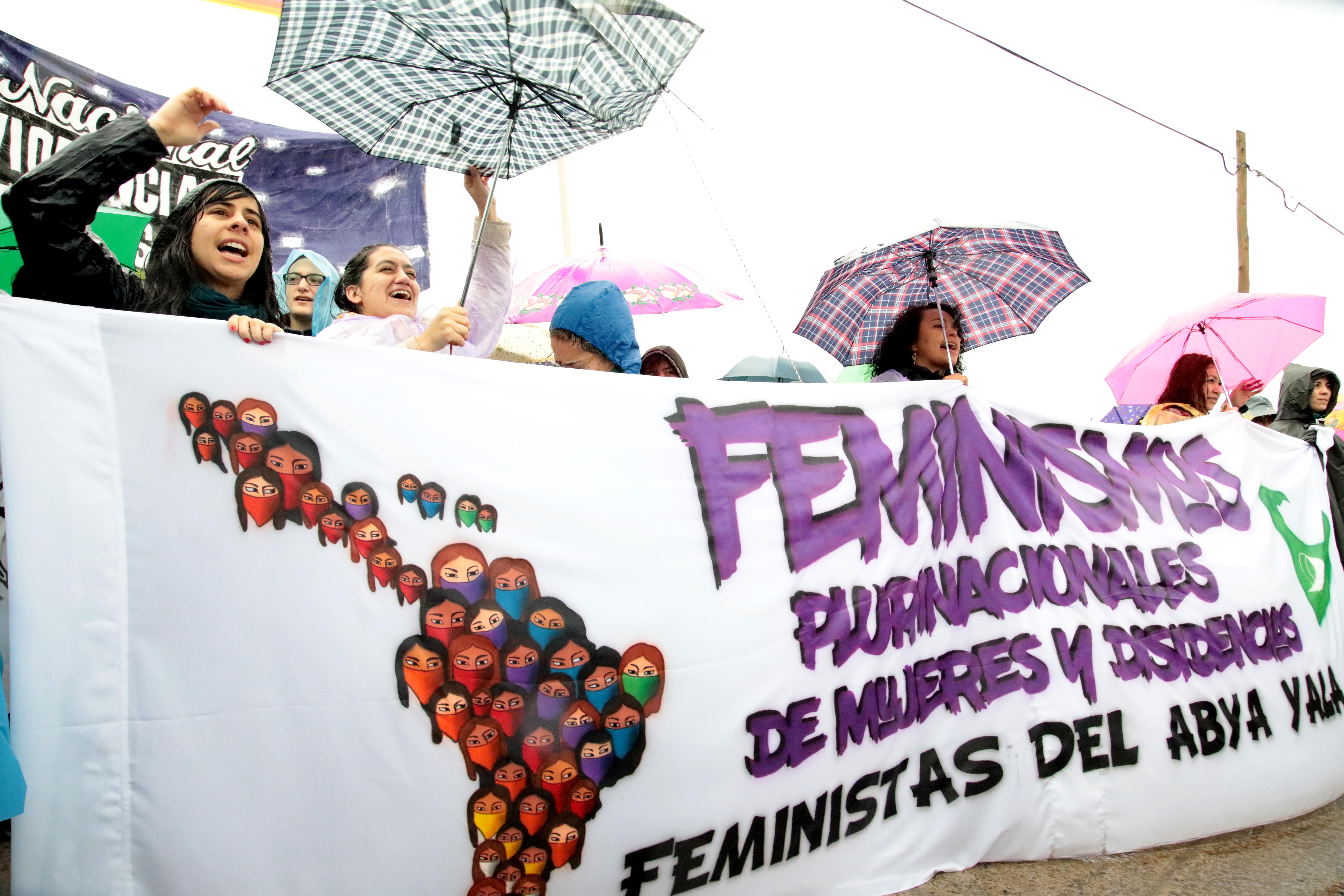 La Dirección General de Cultura y Educación de la provincia puso a disposición 490 escuelas estatales de La Plata, Berisso y Ensenada para brindar alojamiento de manera gratuita