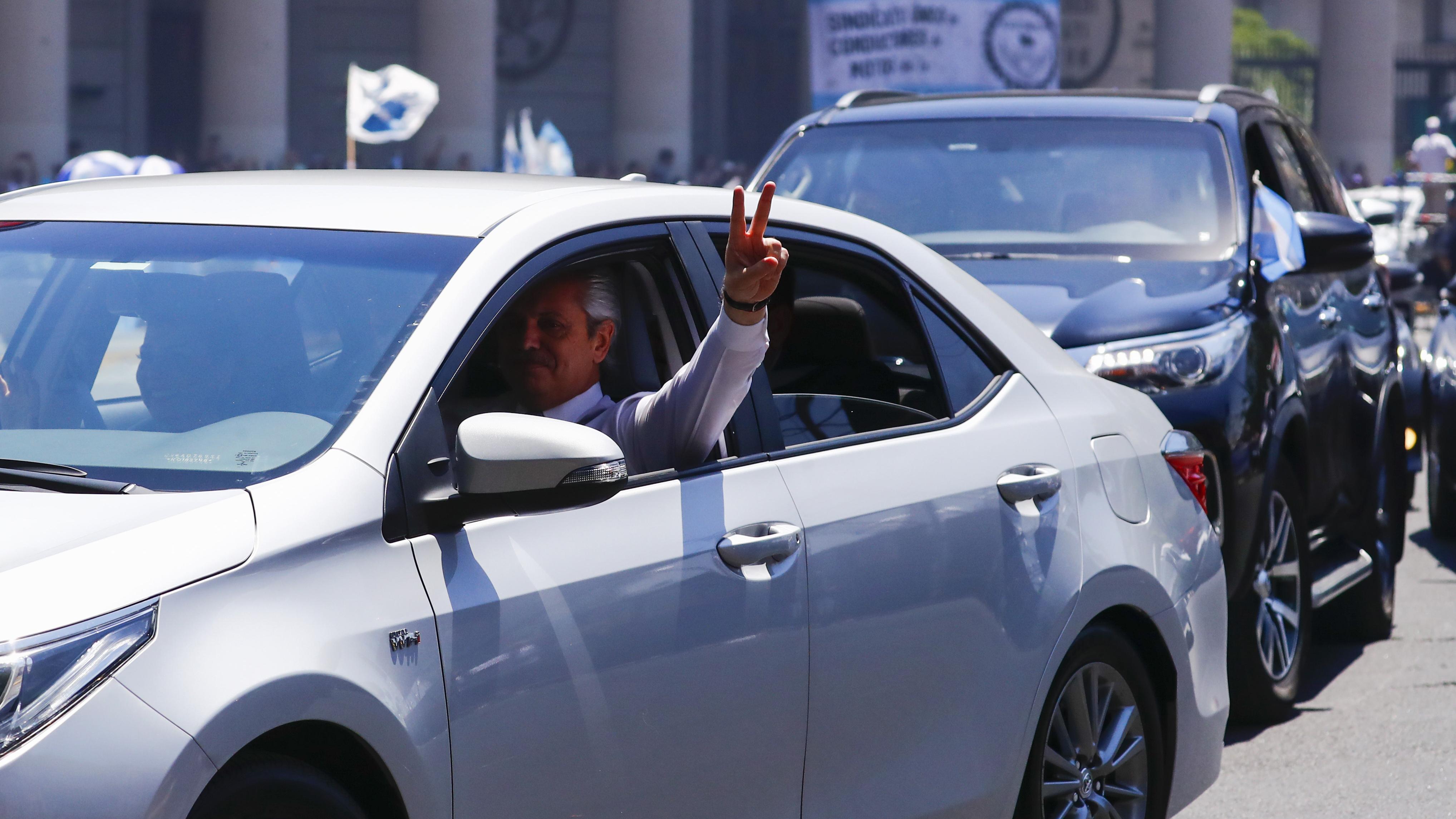 Alberto Fernández conduce desde su casa en Puerto Madero hasta el Congreso de la Nación