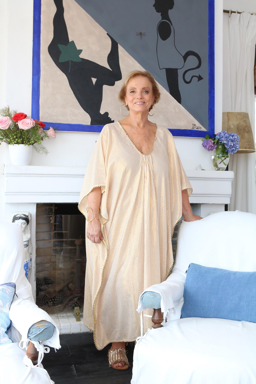 La empresaria británica Roberta Freymann -quien vive entre Nueva York y Buenos Aires, y es fundadora de Roberta Roller Rabbit- decidió emprender un nuevo camino creativo y creó Ro´s Garden, una marca de indumentaria y accesorios textiles que representa sus valores: el amor por la familia, la naturaleza y los viajes
