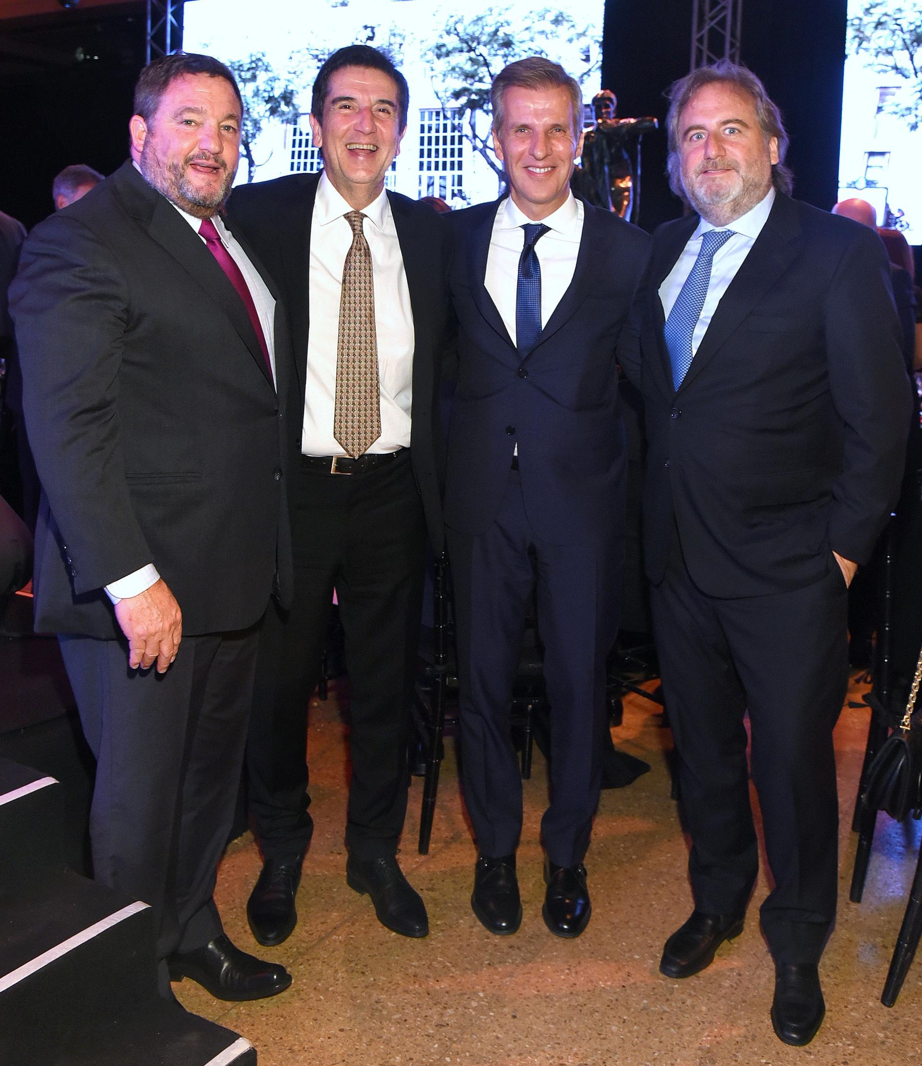 Alejandro Macfarlane junto al ex presidente del Banco Nación, Carlos Melconian; el ex presidente del Banco Central, Martín Redrado, y Tato Lanusse