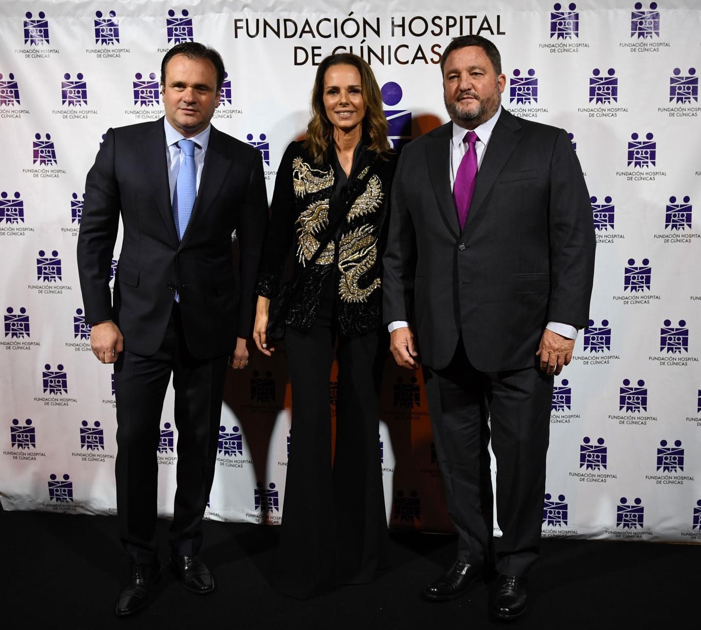 Juan Pablo Maglier, director de Relaciones Institucionales de La Rural y vocal de la Fundación, junto a Nathalie Sielecki y Alejandro Macfarlane