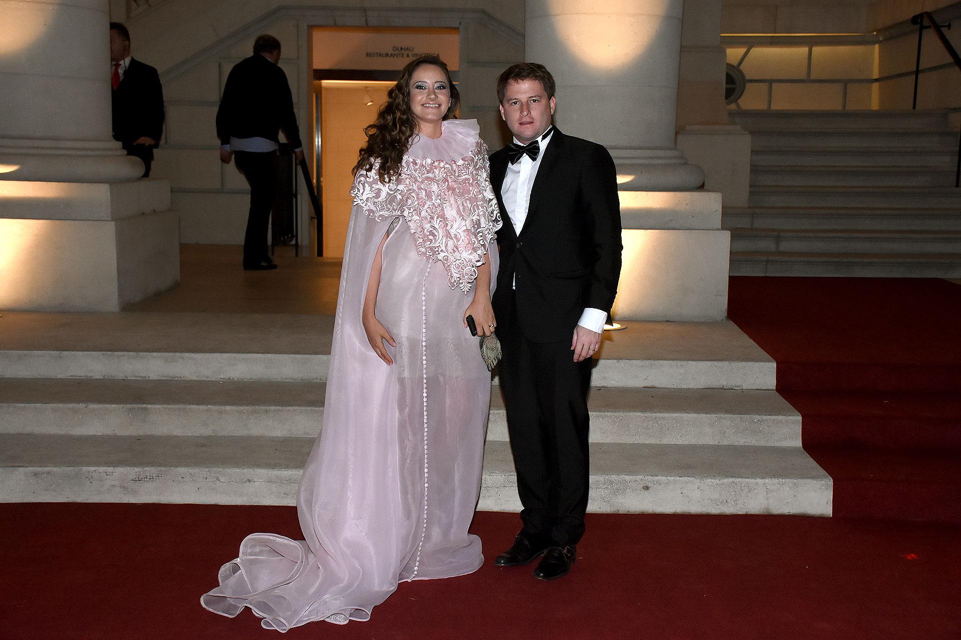 Alex Campbell, subsecretario de Gobierno y Asuntos Municipales de la provincia de Buenos Aires, y su mujer Melina Gadano
