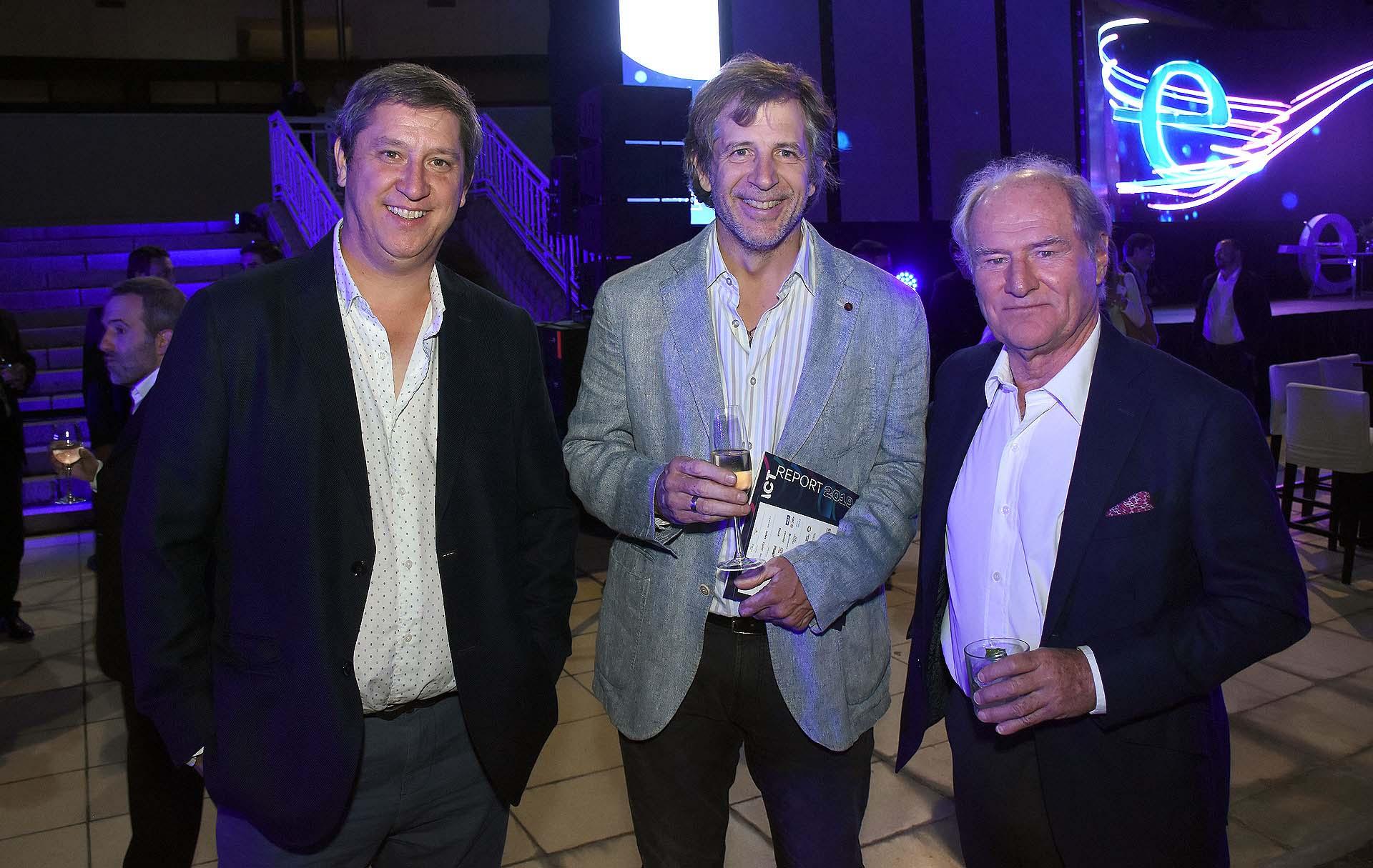 Rodolfo Montes de Oca, Fundador y CEO de Zott Producciones, Ramiro Otaño y Federico Braun, presidente supermercados la Anónima