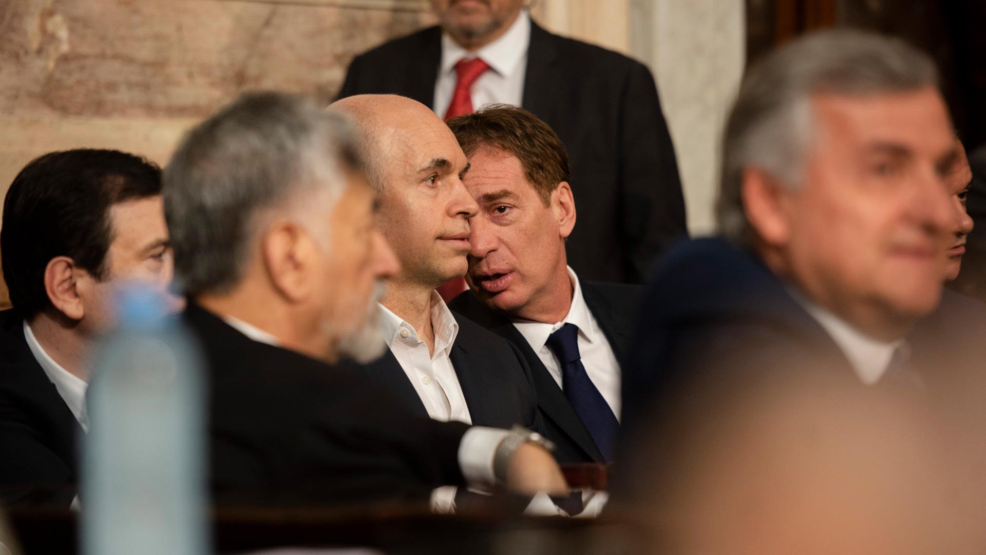 Horacio Rodríguez Larreta junto a Diego Santilli, quienes hace horas atrás habían inaugurado la asamblea legislativa del gobierno porteño