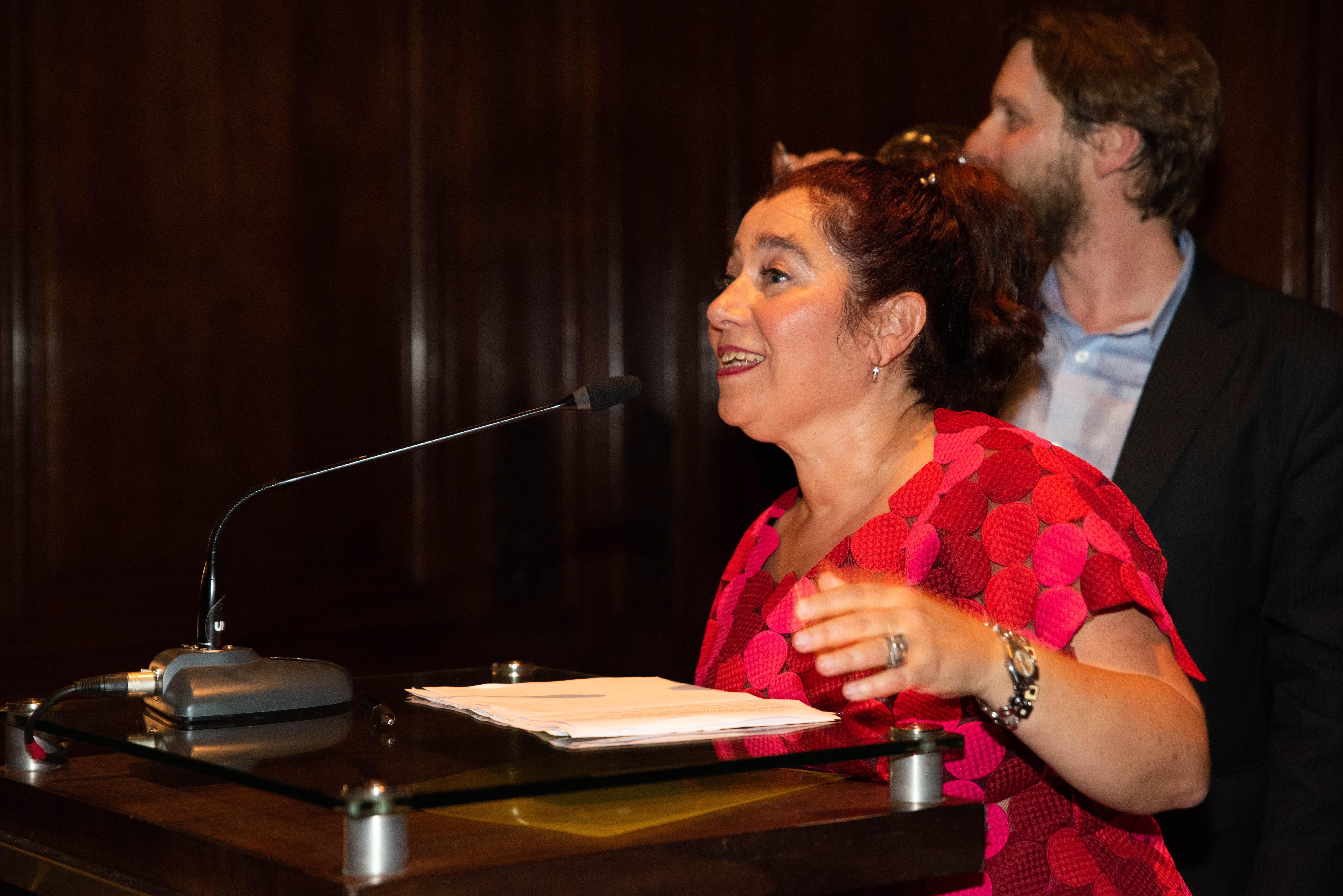 Mariela Ivanier durante su discurso