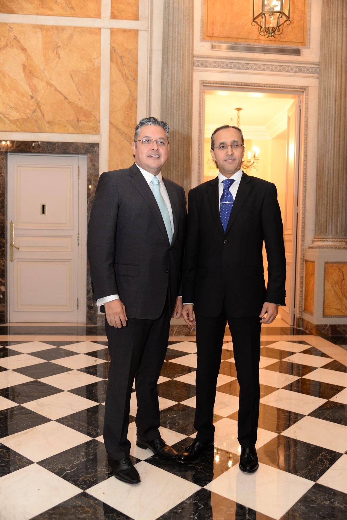 Ariel Blufstein junto al embajador de Marruecos, Fares Yassir