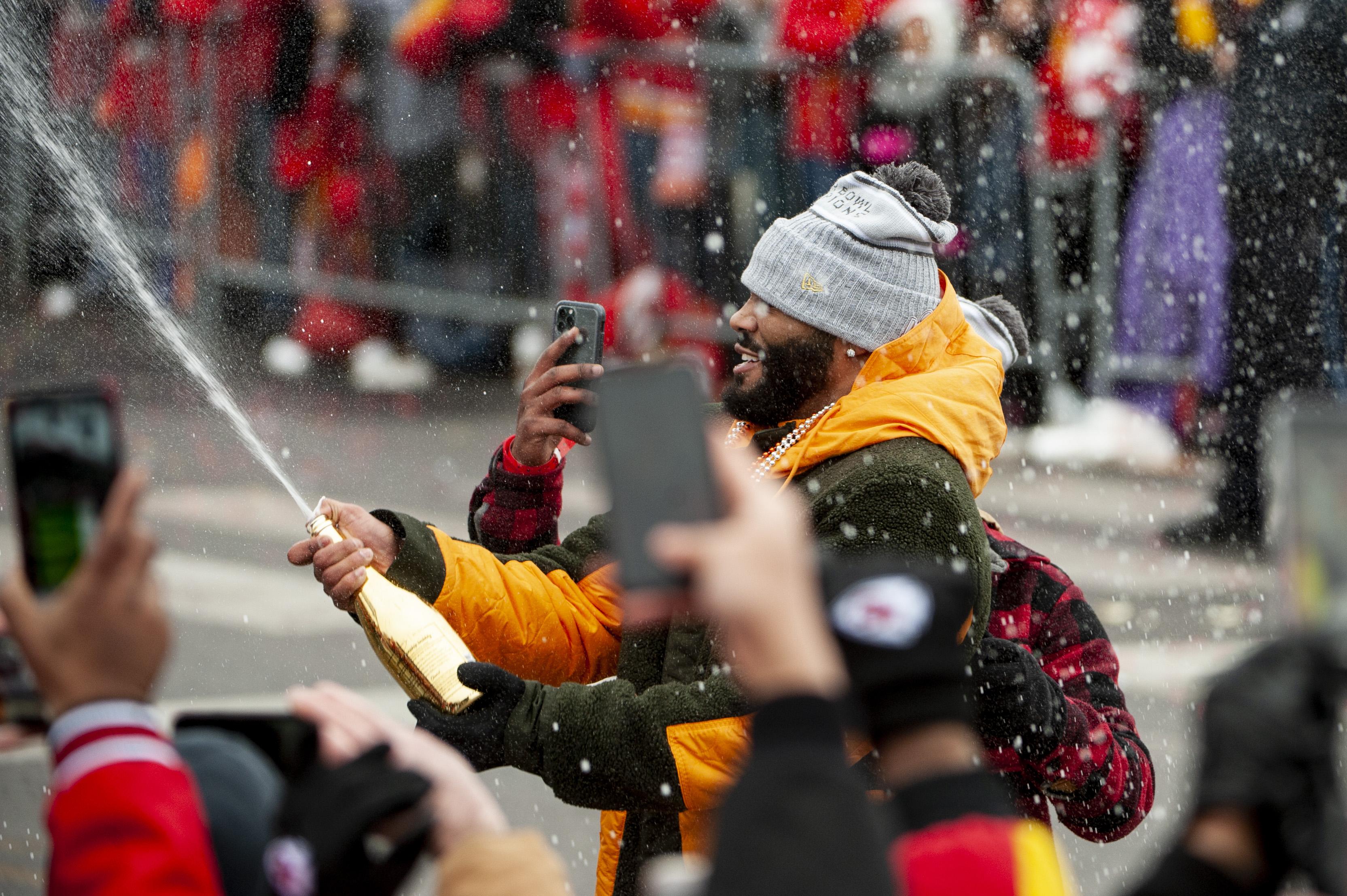 Los espectadores y las calificaciones marcaron un aumento con respecto al Super Bowl de la temporada pasada, cuando los Patriotas de Nueva Inglaterra vencieron a los Rams de Los Ángeles