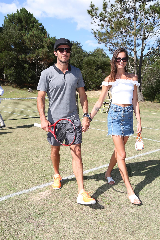 Pico Monaco llegó junto a su novia Diana Arnopoulos