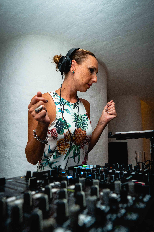 La DJ Catarina Spinetta puso a todos los invitados a bailar
