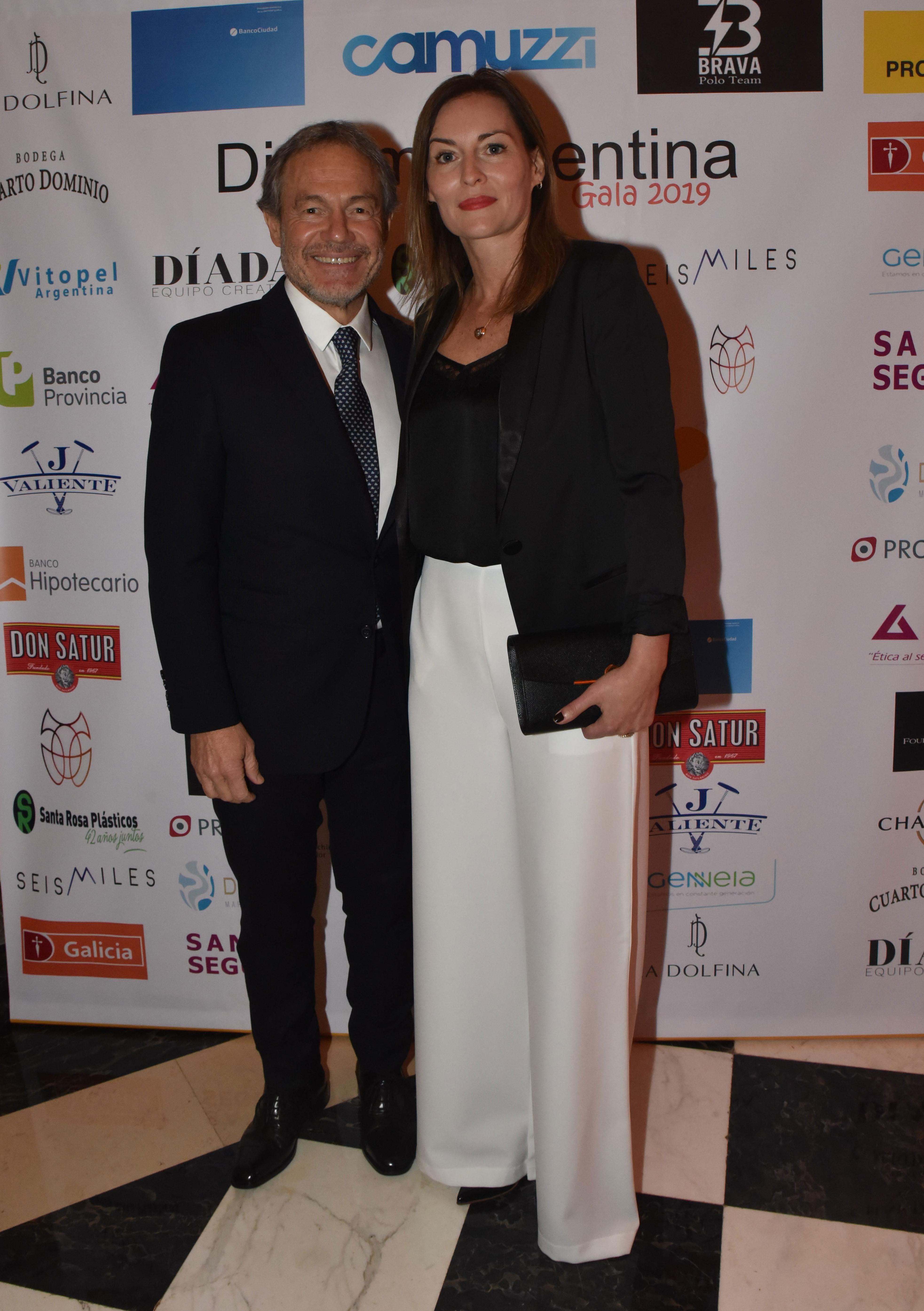 Gustavo Ferrari, ministro de Justicia de la provincia de Buenos Aires, y su mujer