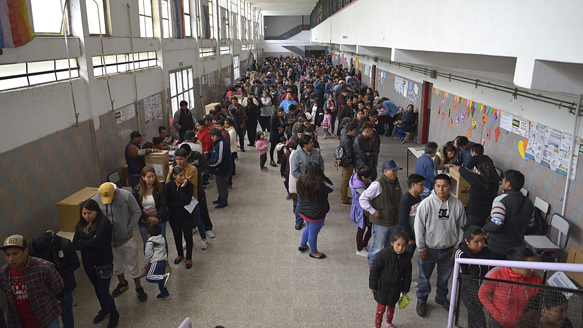El colegio 138 de Villa Celina contaba con 26 mesas habilitadas