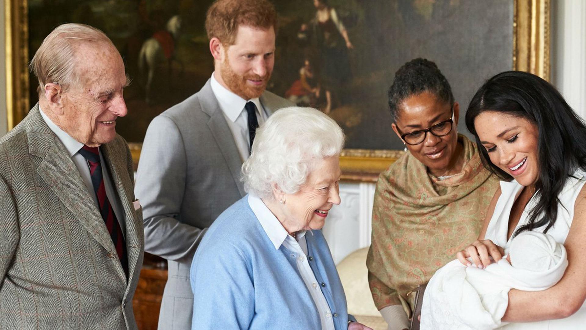La drástica decisión de Harry y Meghan sobre su hijo Archie que anticipaba su plan para renunciar a la realeza - Infobae