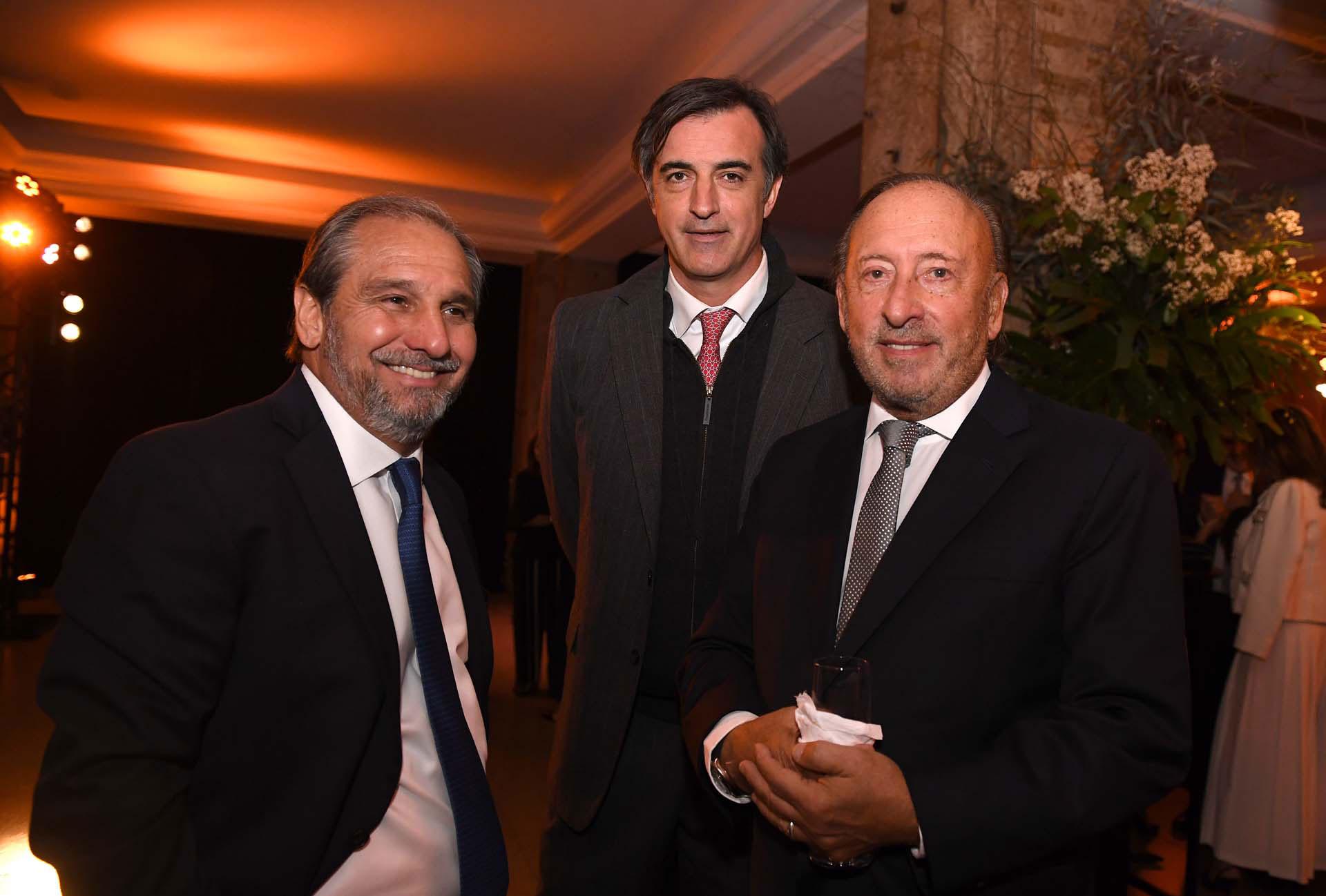 Nicolás Caputo, cónsul honorario en Singapur, junto al senador Esteban Bullrich y al empresario Mauricio Filiberti (Transclor)