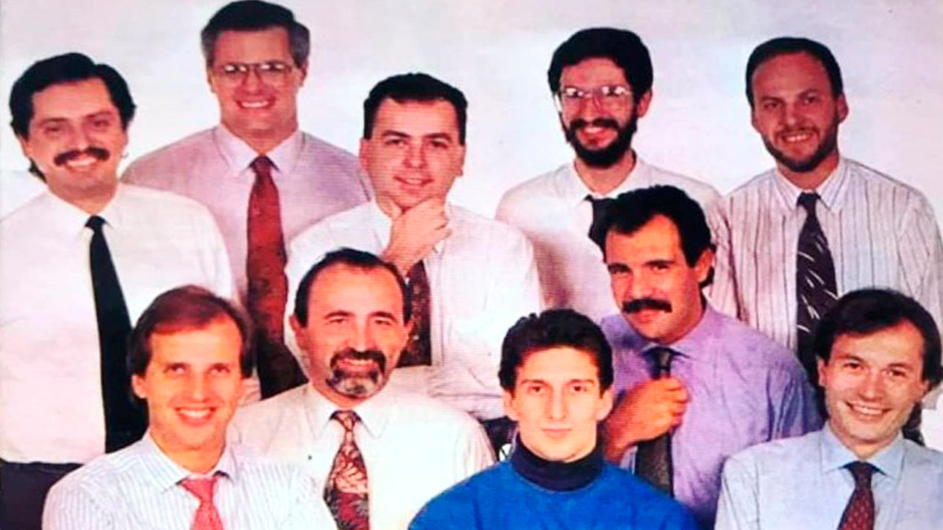 En 1992 fue destacado como uno de los 10 jóvenes sobresalientes de la Argentina por la Cámara Junior de Buenos Aires por haber sido artífice de la desregulación de la actividad aseguradora. Como artífice de la desregulación de la actividad aseguradora. En la foto, junto a otros jóvenes premiados, el dirigente Gustavo Béliz, el conomista Martín Redrado, el periodista Daniel Hadad y el bailarín Julio Bocca.