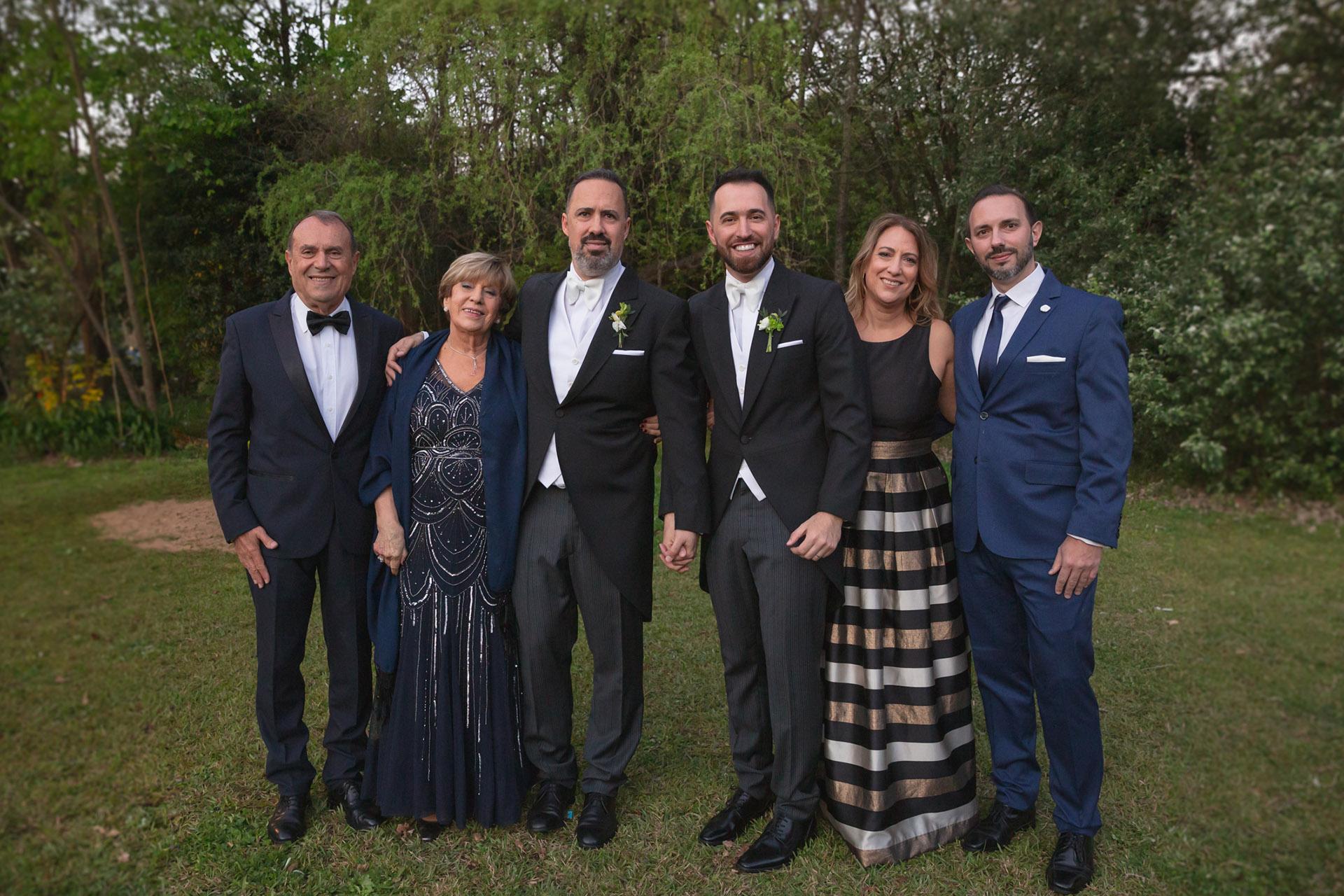 La familia de Charly Ronco: Gino, Nancy y Andrea Ronco junto a Fernando Galindo